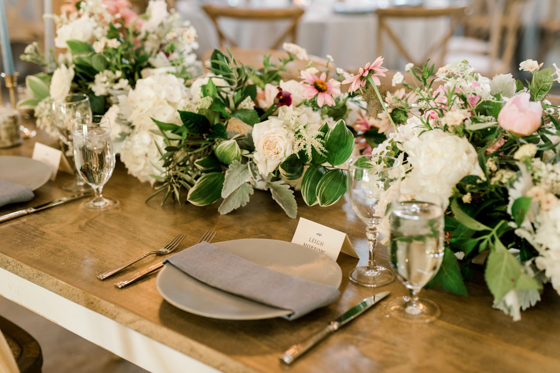 paige and kristine wedding table setting