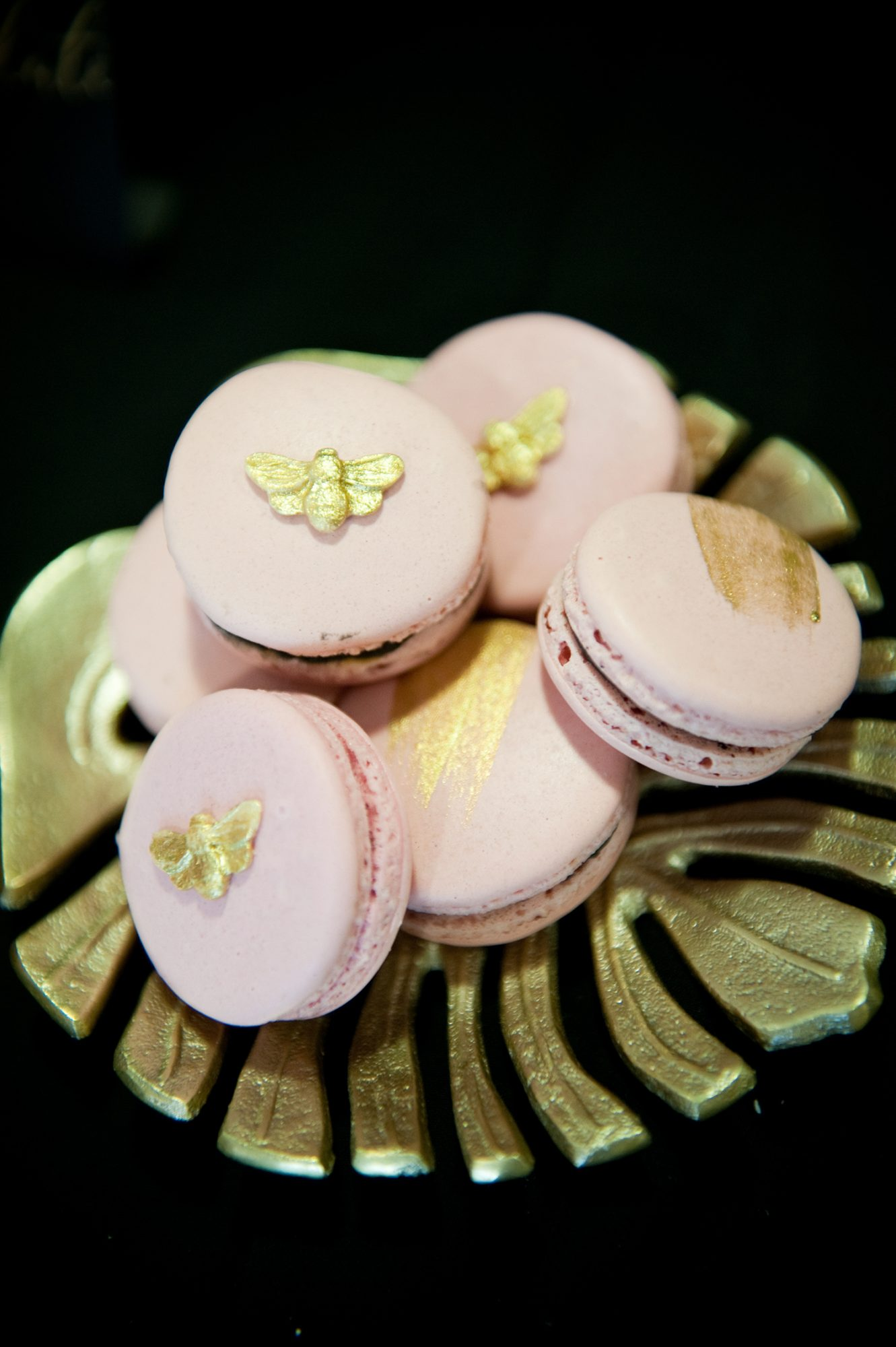 bee wedding ideas pink and yellow macarons