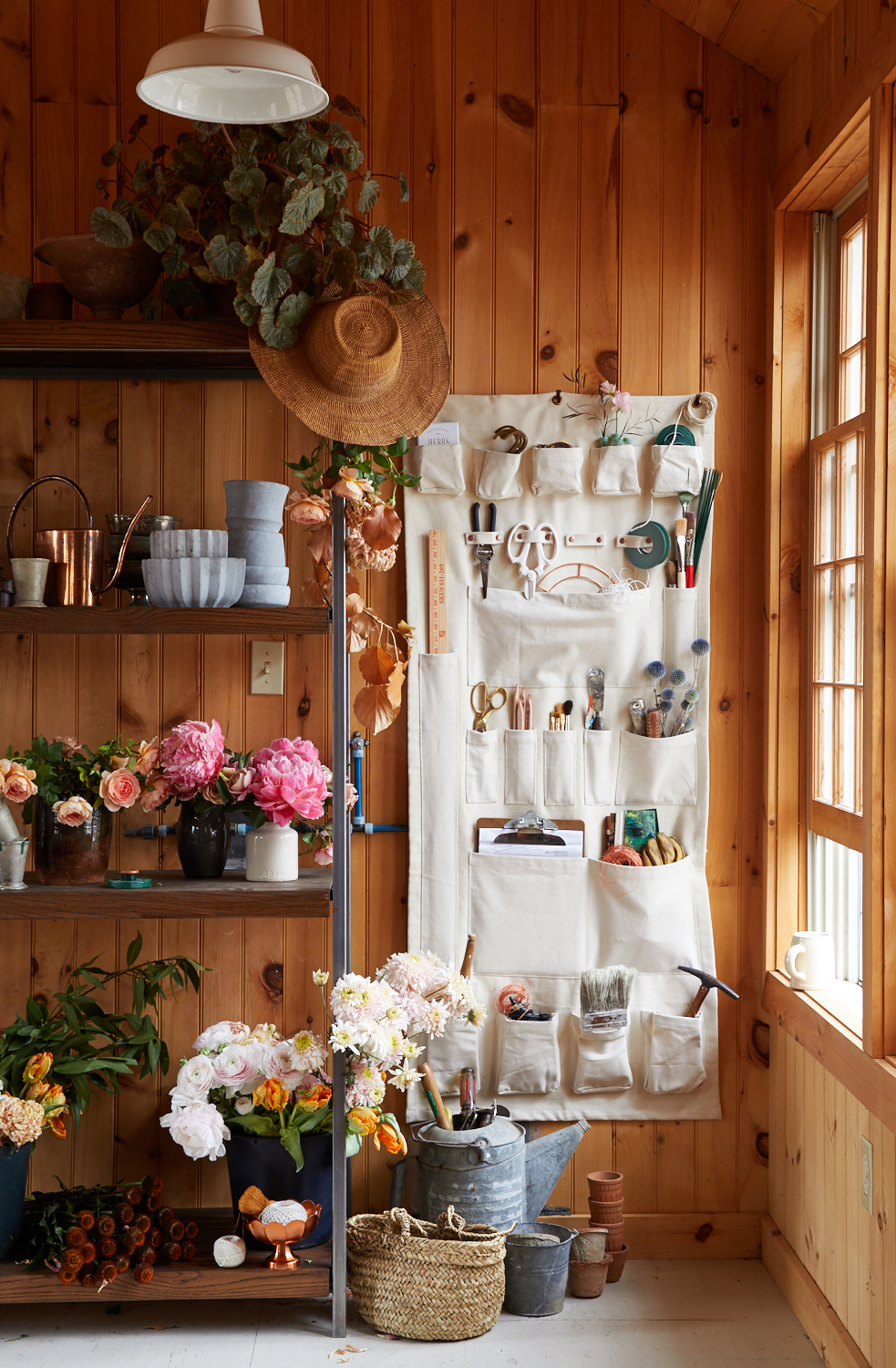 garden wall organizer and shelves