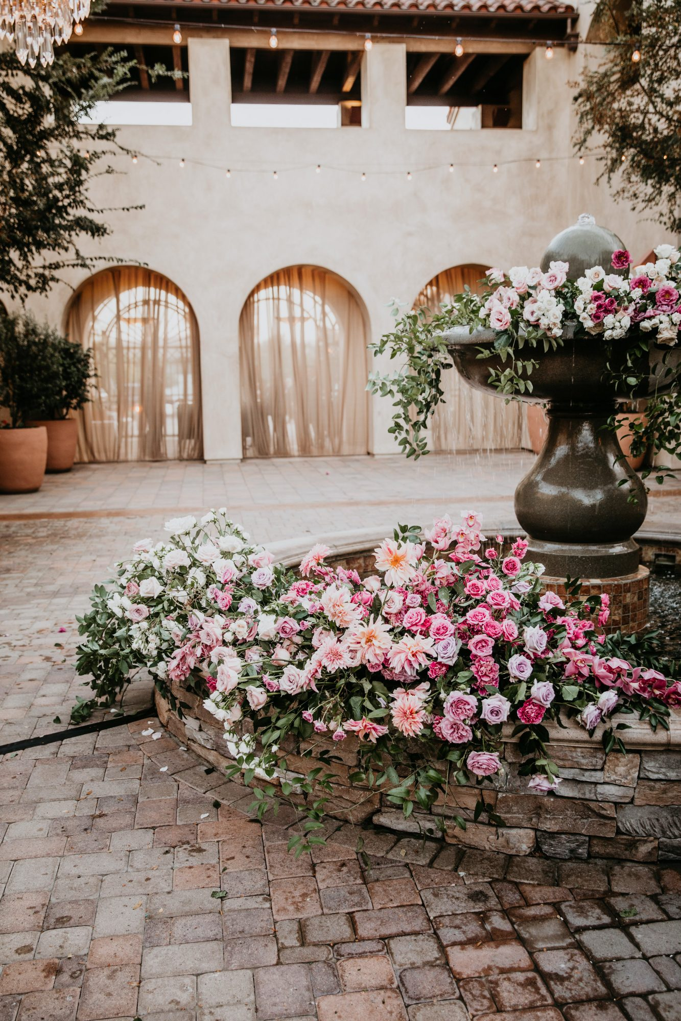 floral fountain with pink and white flowers
