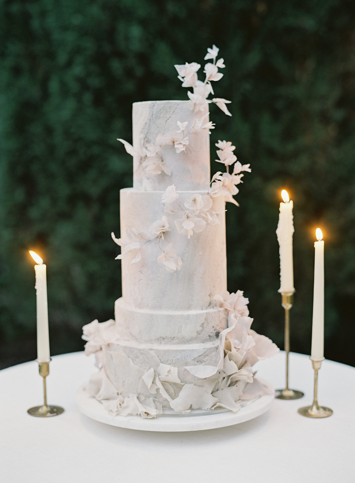 emme daji wedding marbled wedding cake