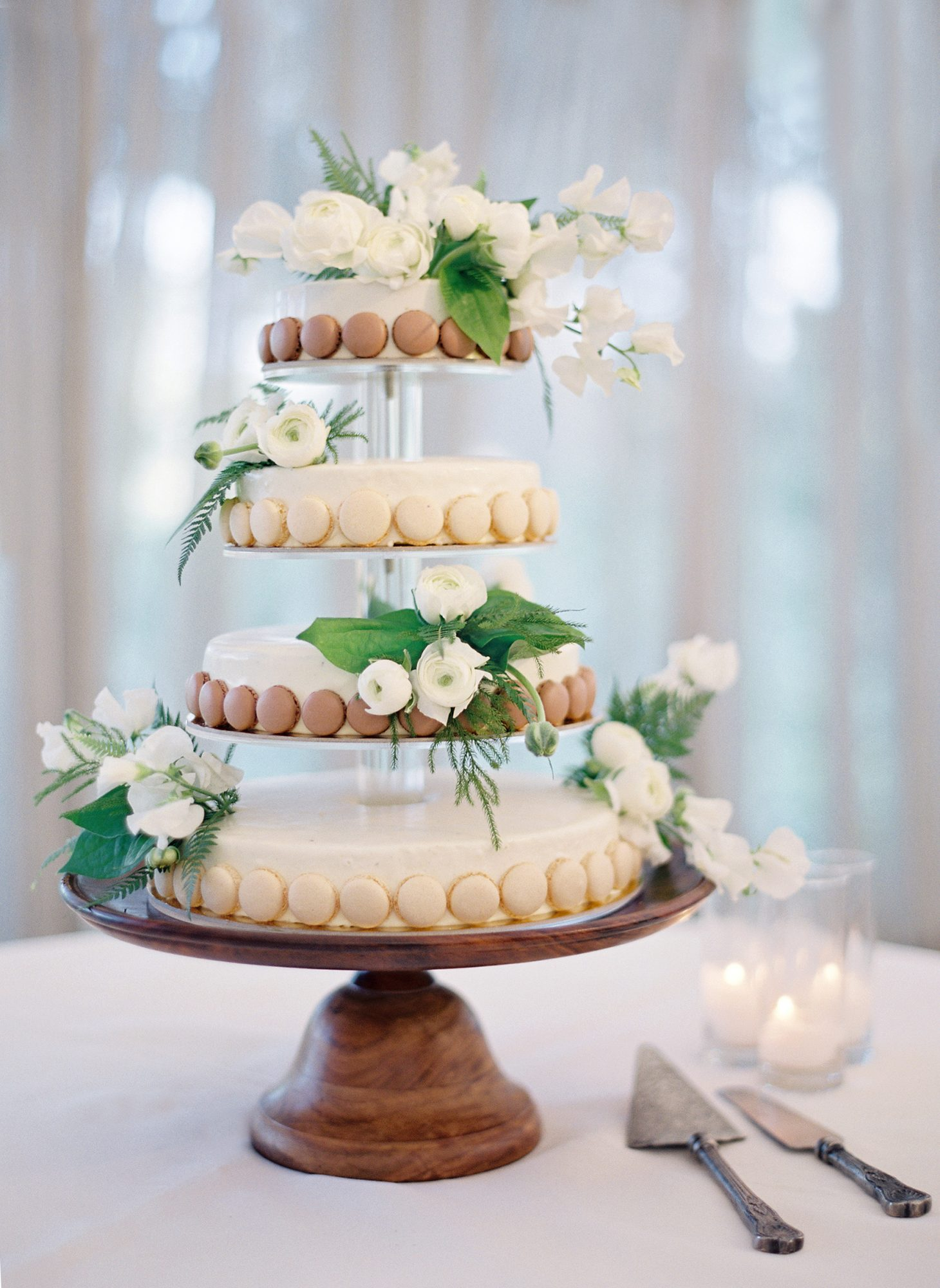 Serve French Macarons At Your Wedding