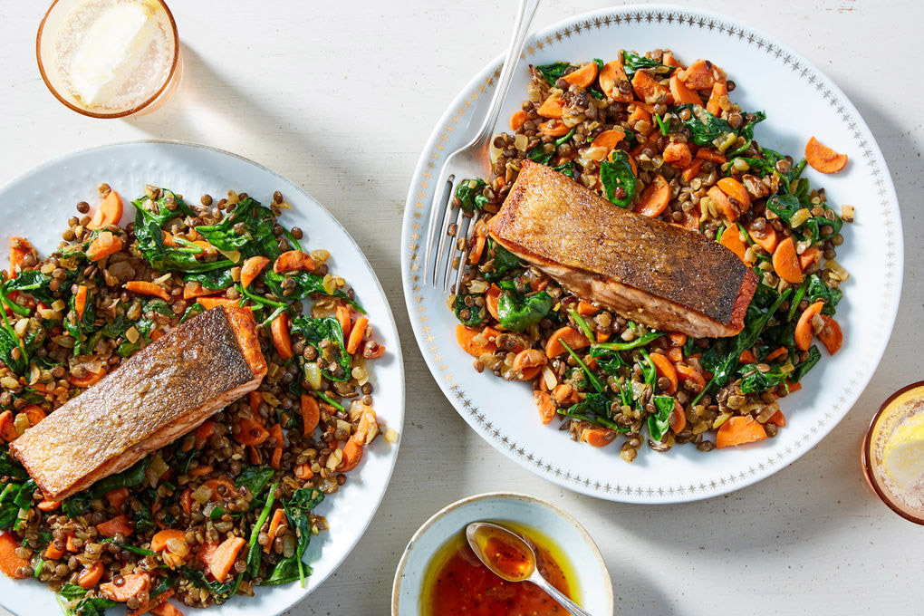 Crispy-Skinned Curry Salmon with Lentils, Carrots & Spinach