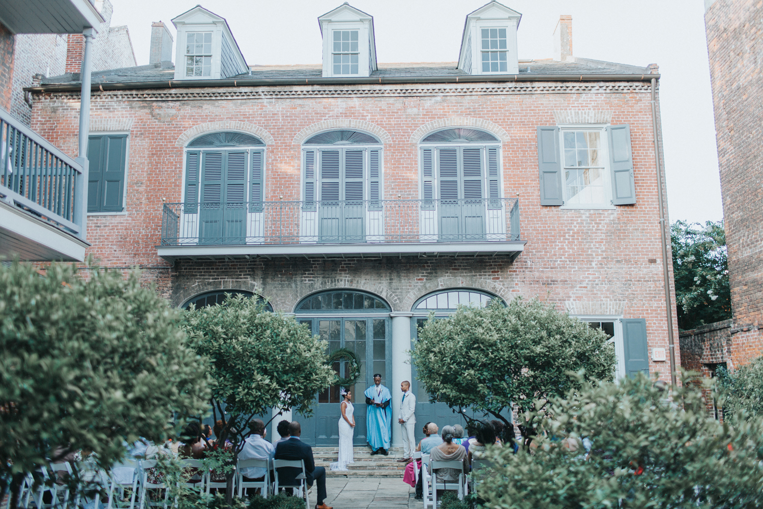 wedding ceremony at historic new orleans house