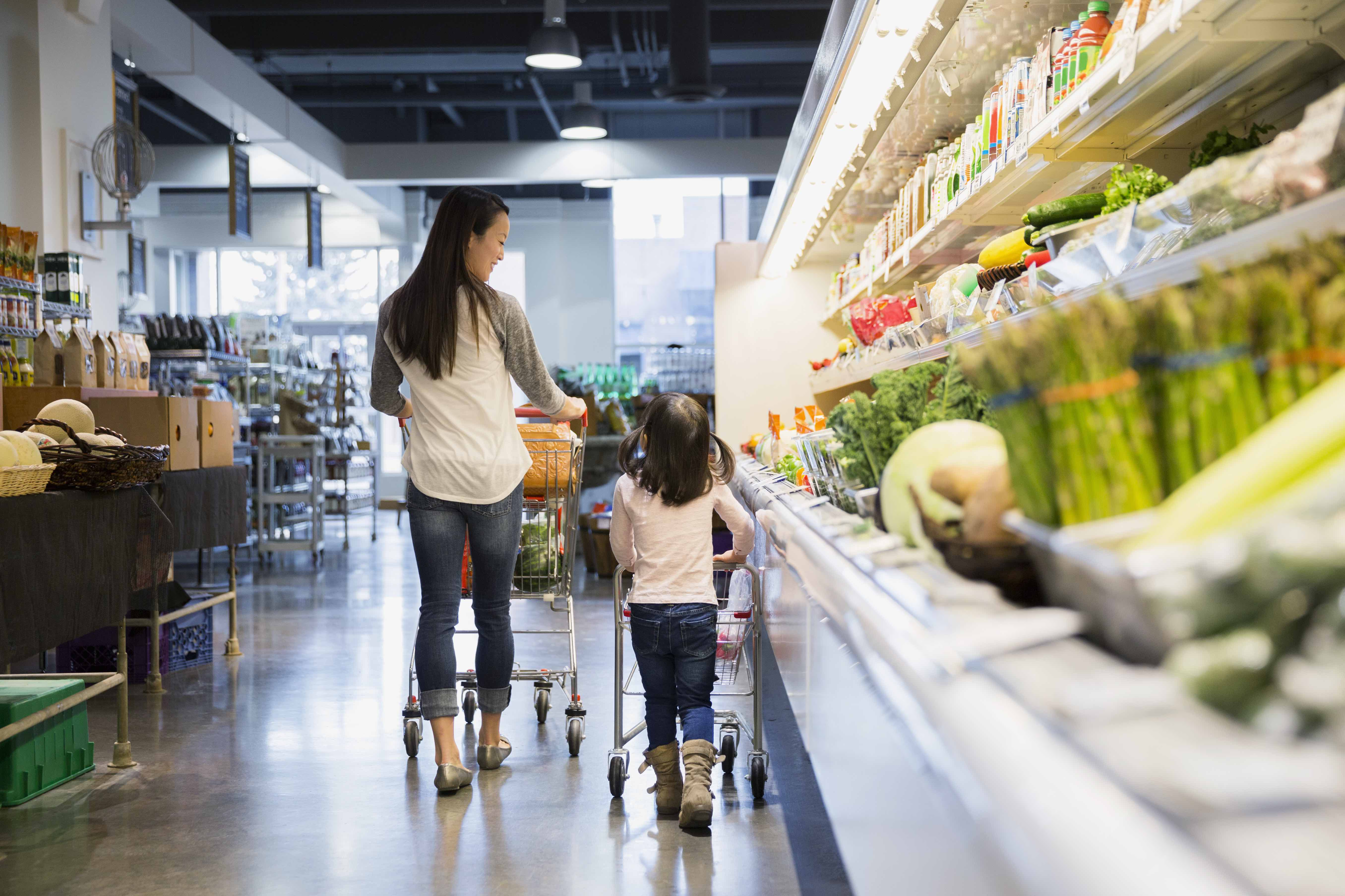 kids grocery shop family