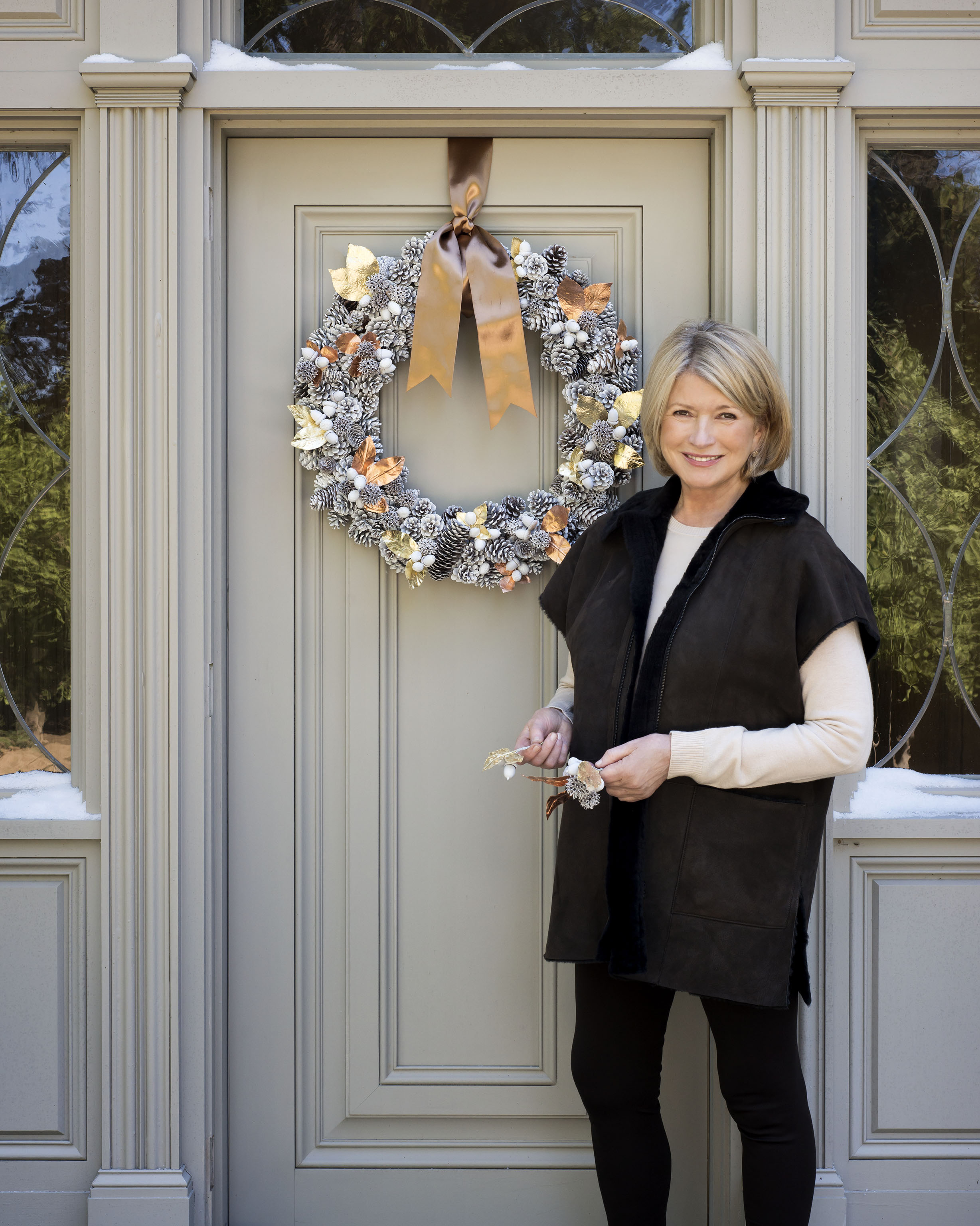 How to Hang a Wreath Without Making Holes in the Door