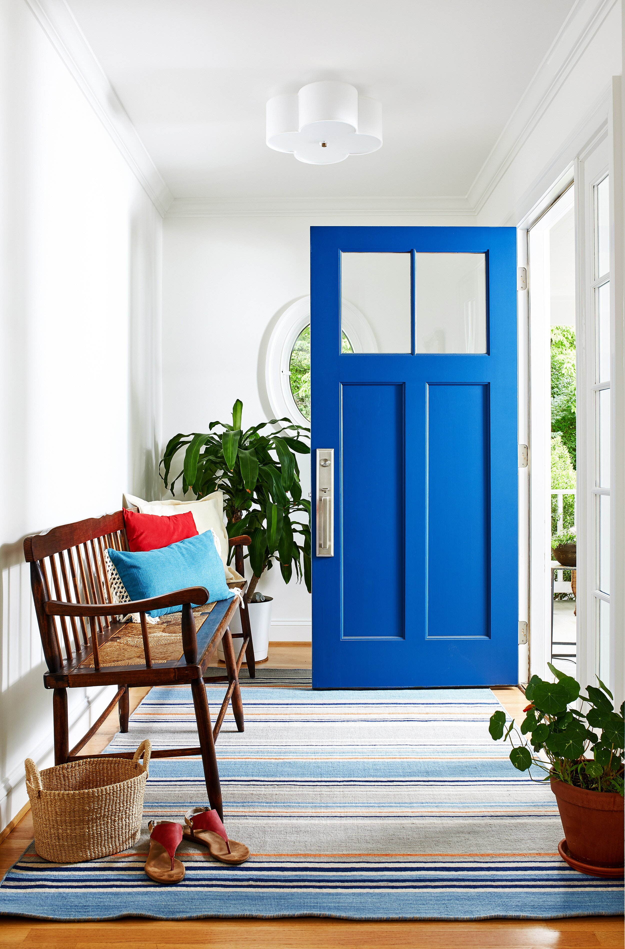 Win A Home Makeover 2020.Pantone S 2020 Color Of The Year Is A Fun Paradox It S Both