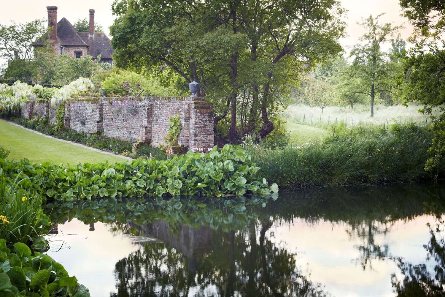Your Ultimate Guide To English Gardens Martha Stewart