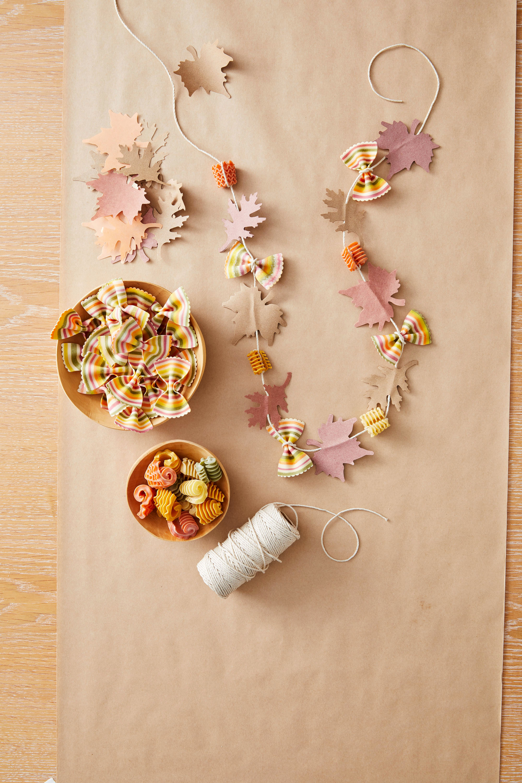 leaf leis thanksgiving craft