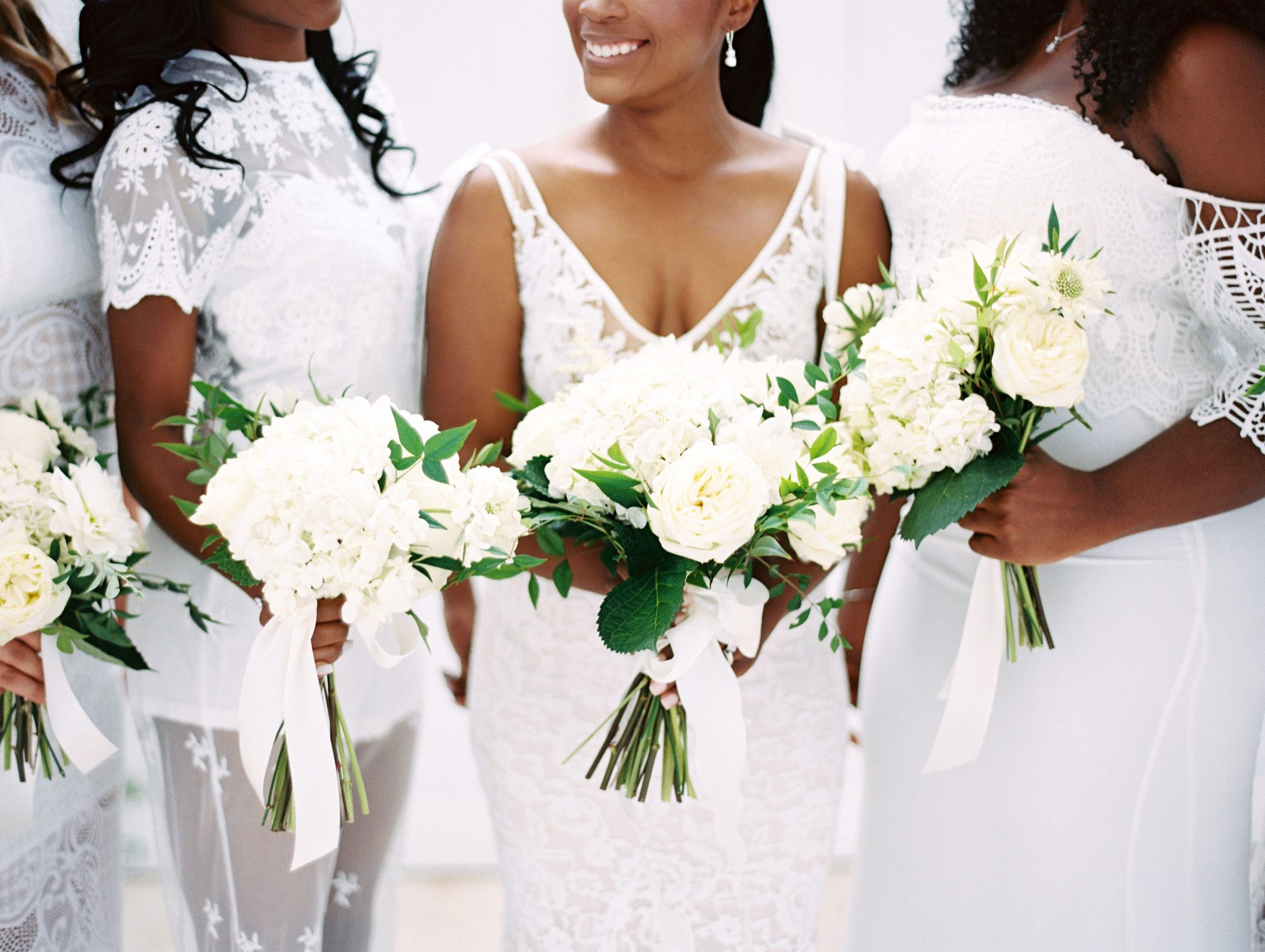 shakira travis wedding bouquets bride bridesmaids