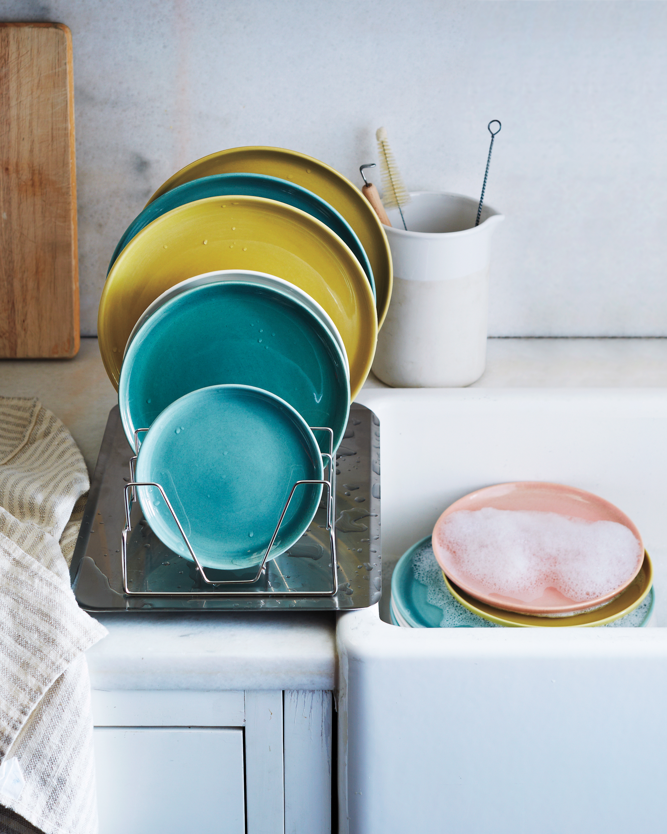 dishes-0030-md110856.jpg