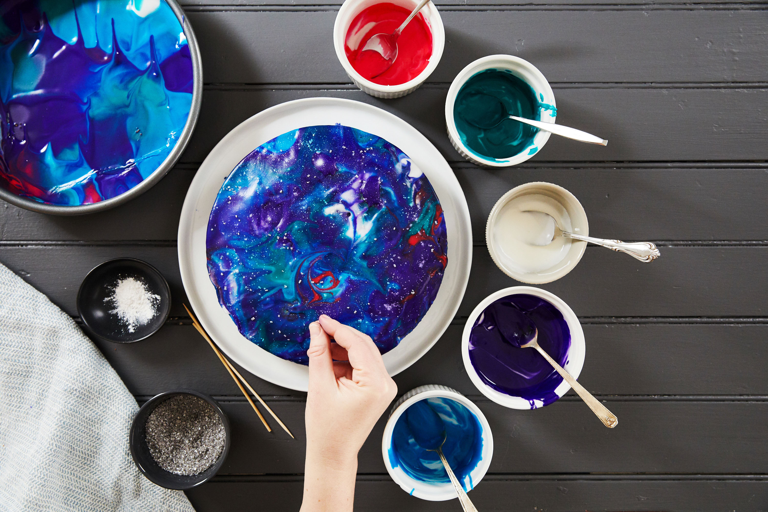 galaxy cake how-to sprinkles and sugar stars