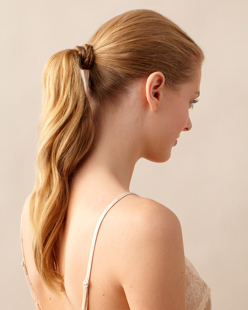 beauty-center-low-ponytail-d108198.jpg