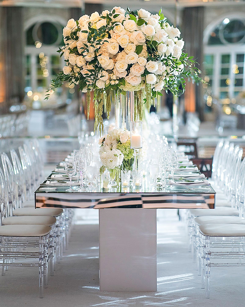 danielle kevin wedding reception table and centerpiece