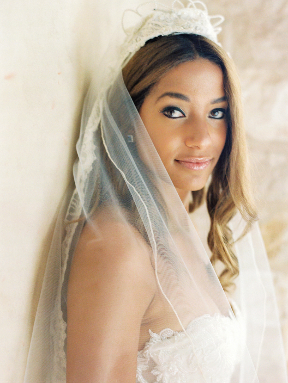 bride wearing 1982 veil from her mom