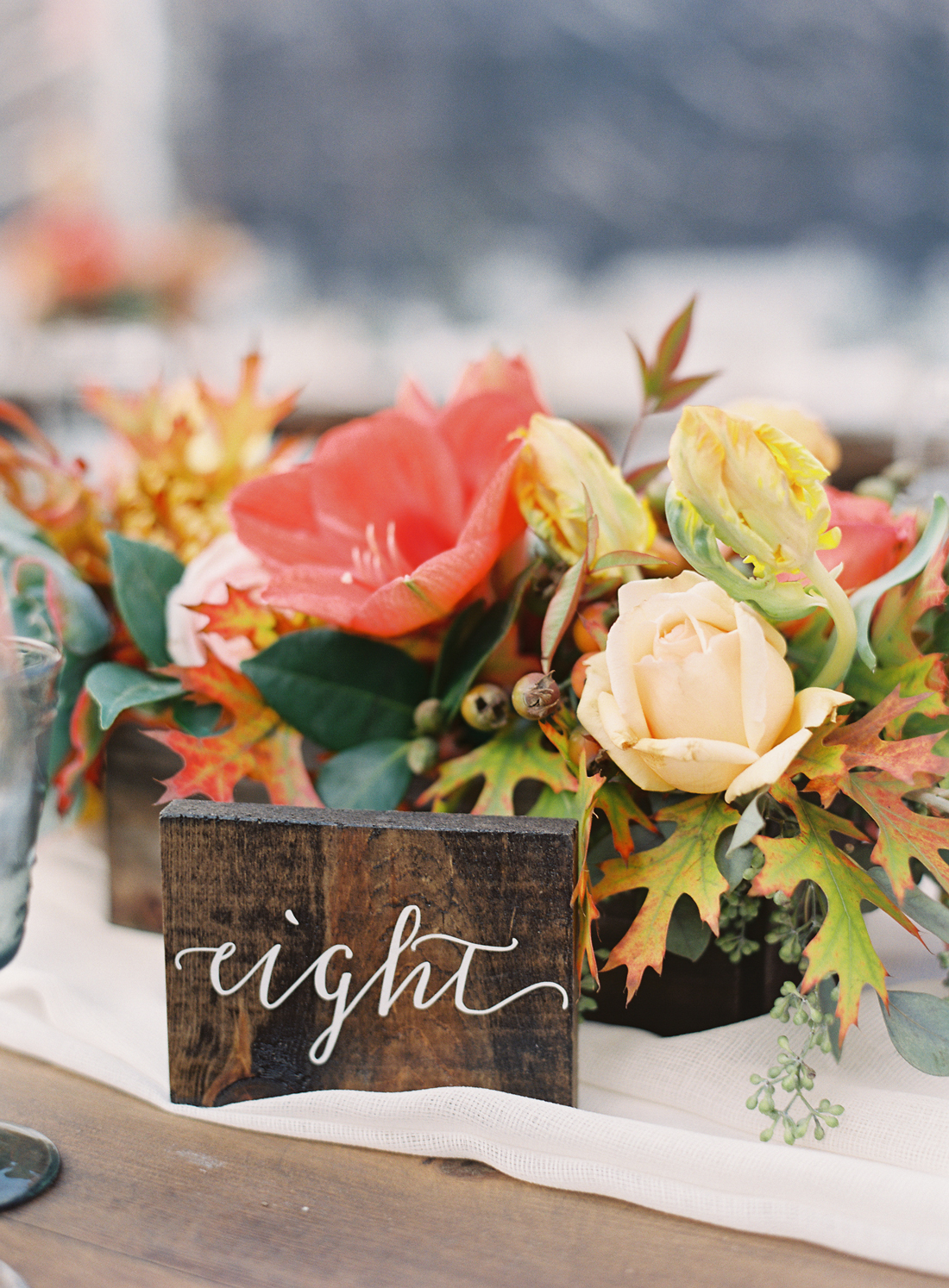 low wooded holder floral centerpieces