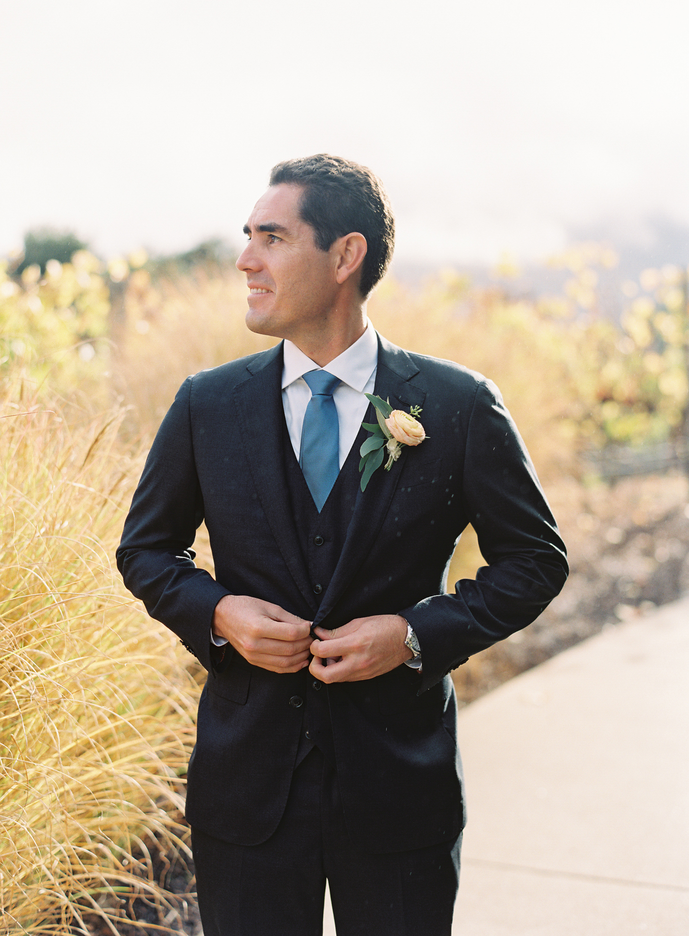 groom wearing San Francisco suitmaker Tailors' Keep suit