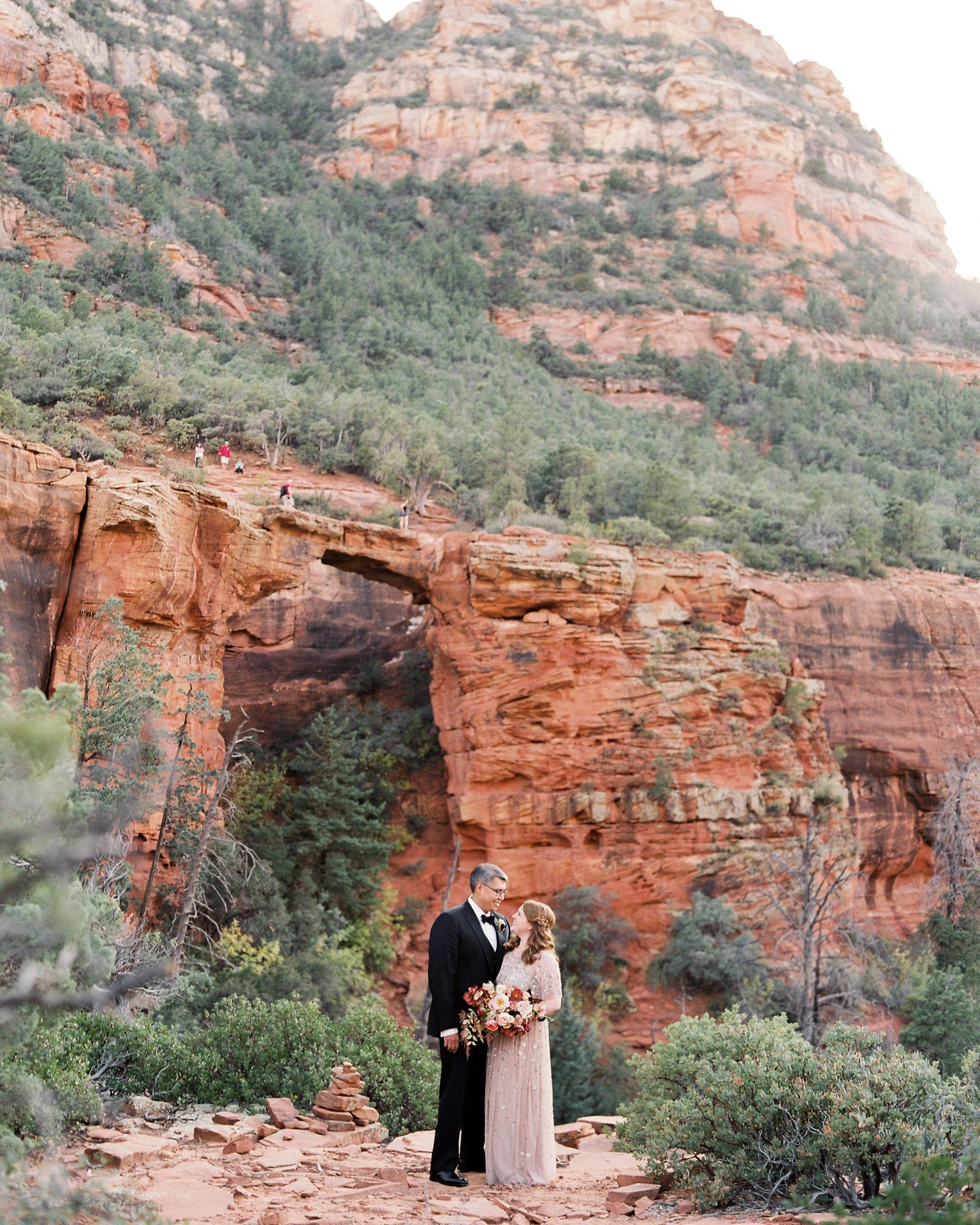 stefanie terrel wedding couple red rocks