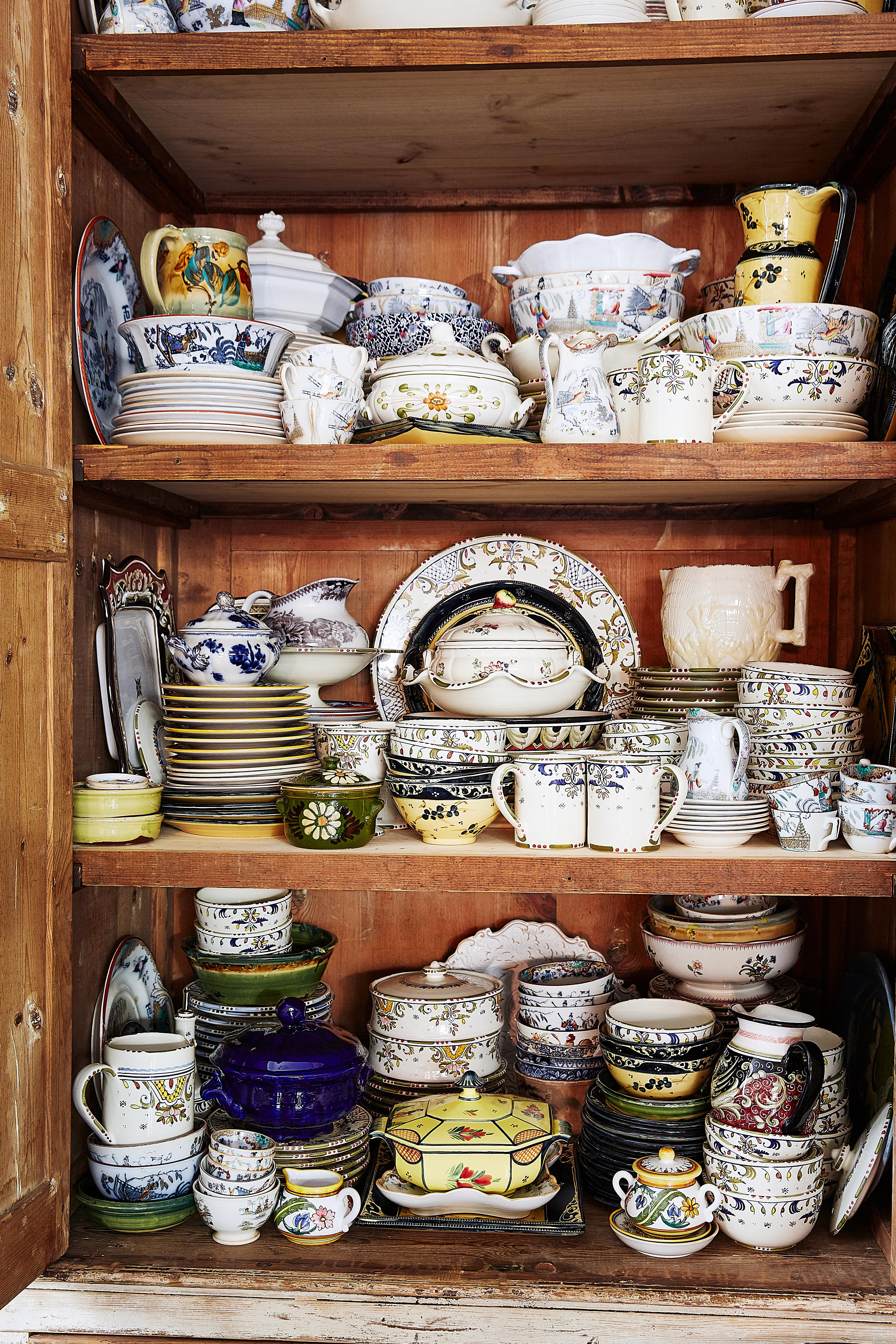 collecting antique transferware and Italian majolica