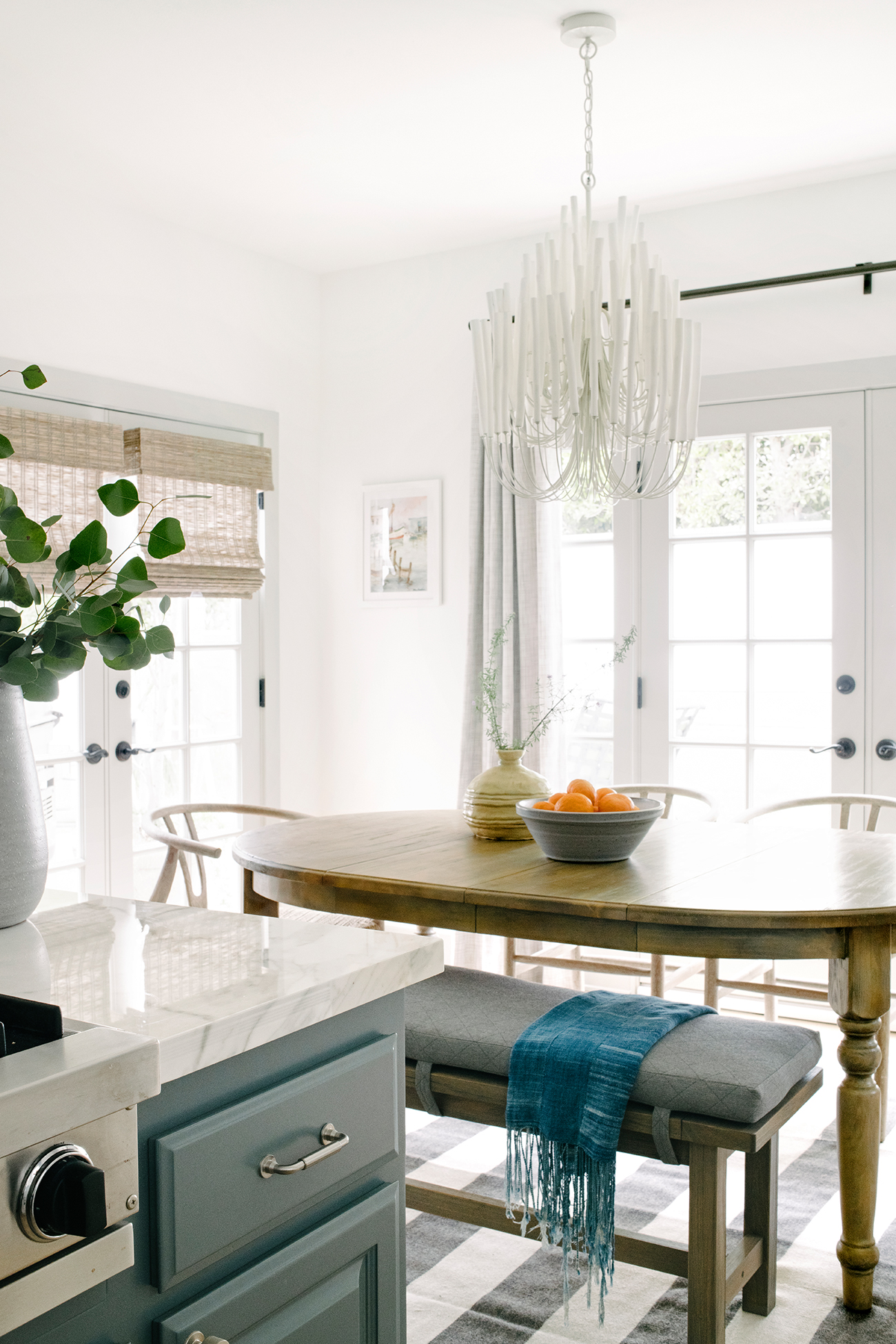 southern california house sunny dining room table