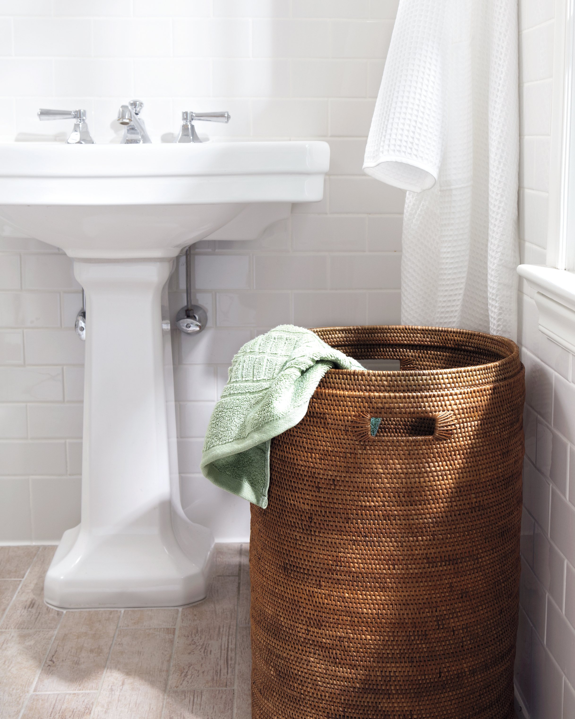 bathroom-storage-hamper-6229-d111382.jpg