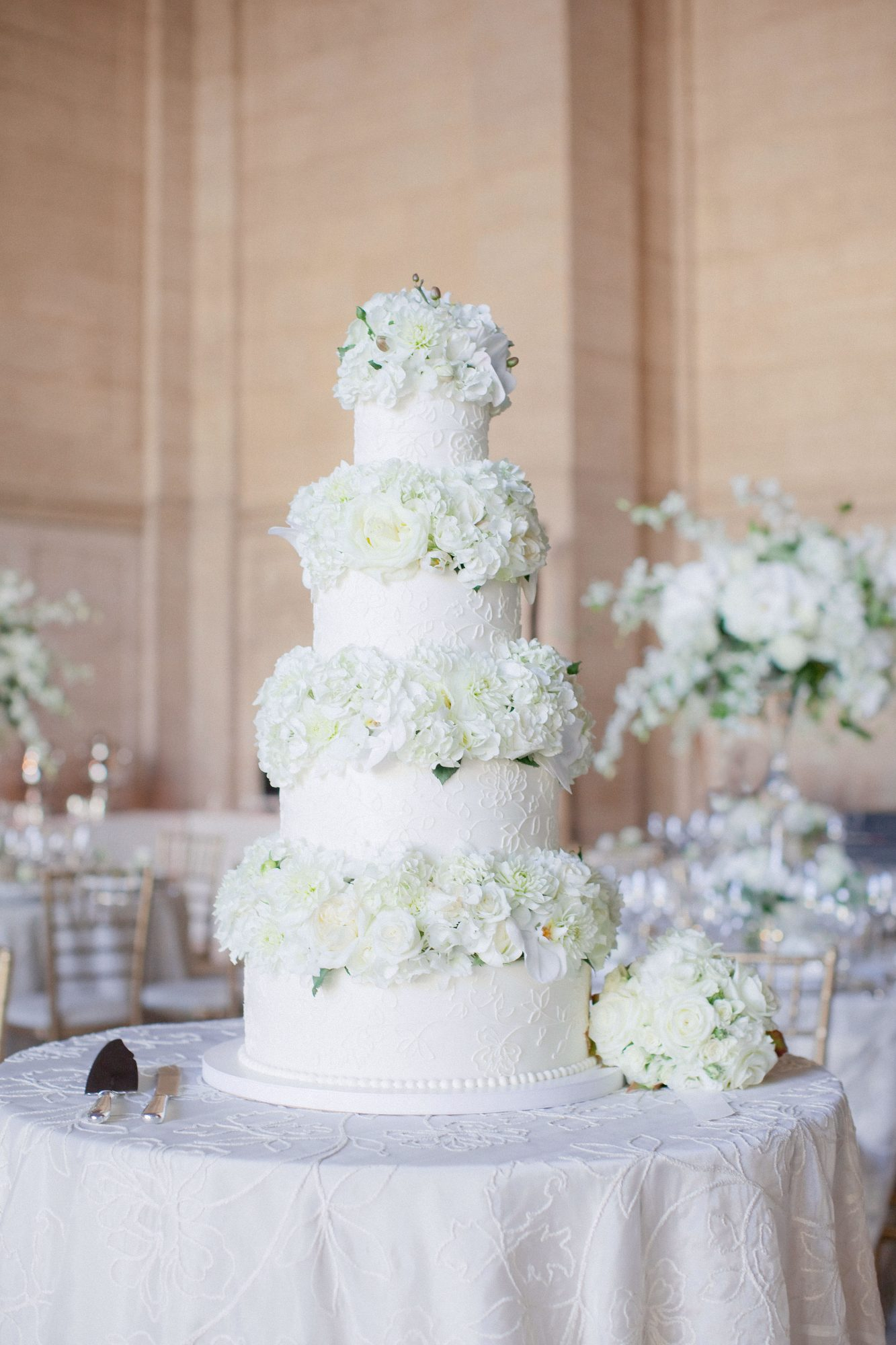 cakes with floral tiers alternating flower-piped bloom layers