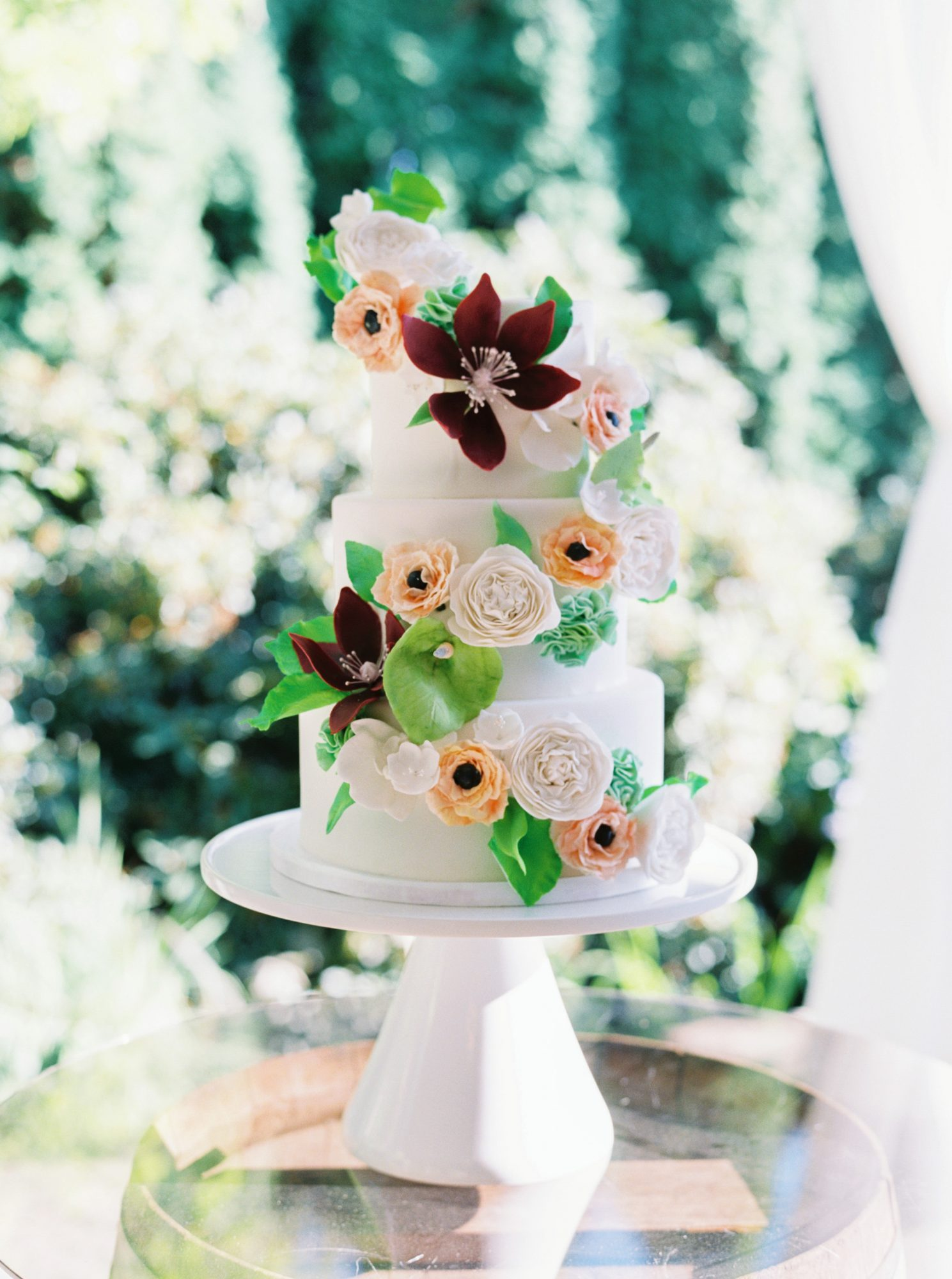 paige matt wedding cake with flowers