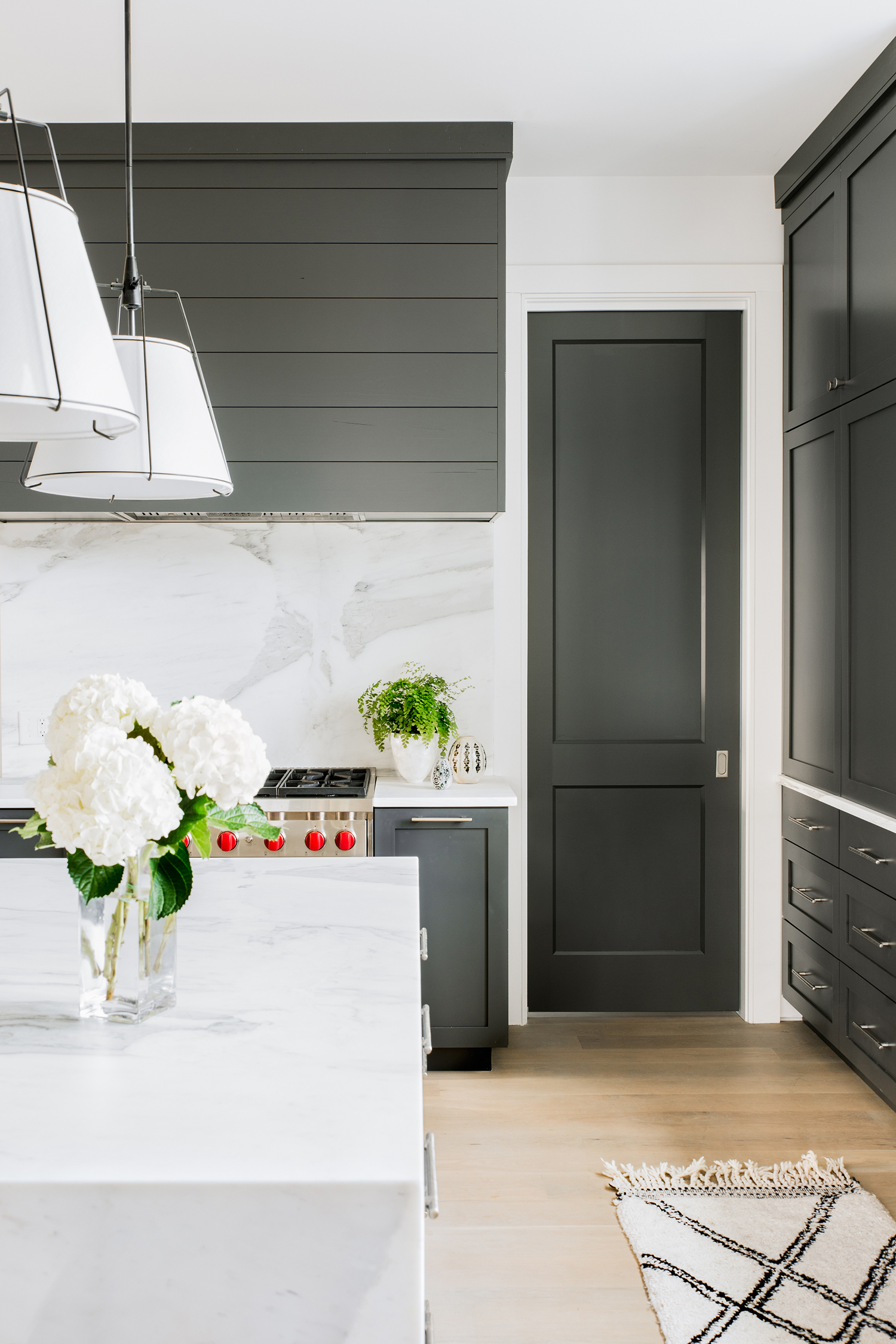 sullivan island house tour minimalist black and white kitchen