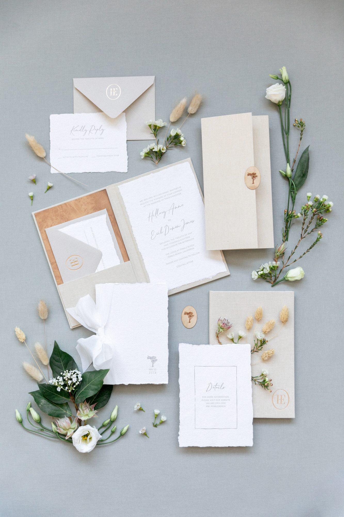 booklet stationery idea with texture and golf foil accents