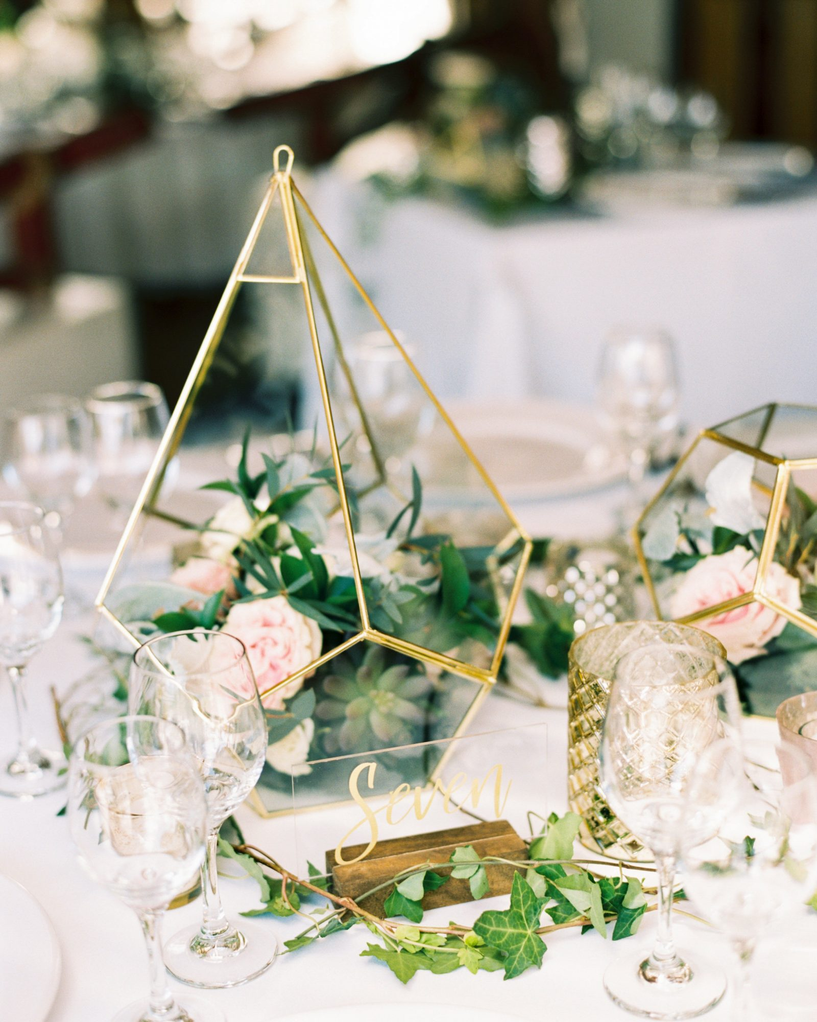 terrarium wedding ideas table centerpiece