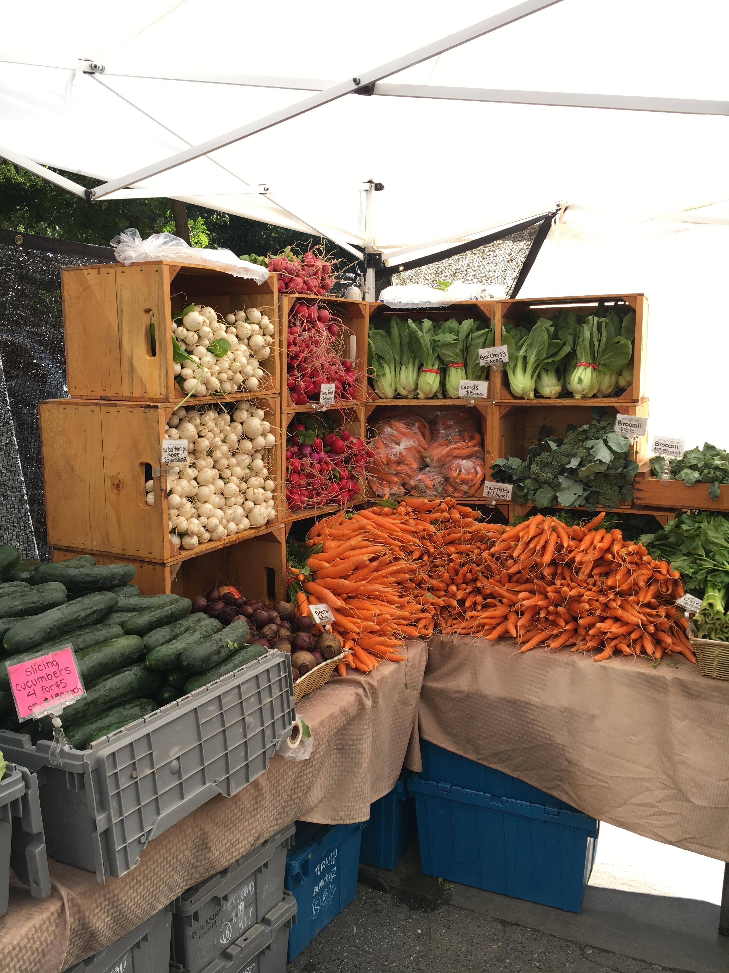 farmers' market stand