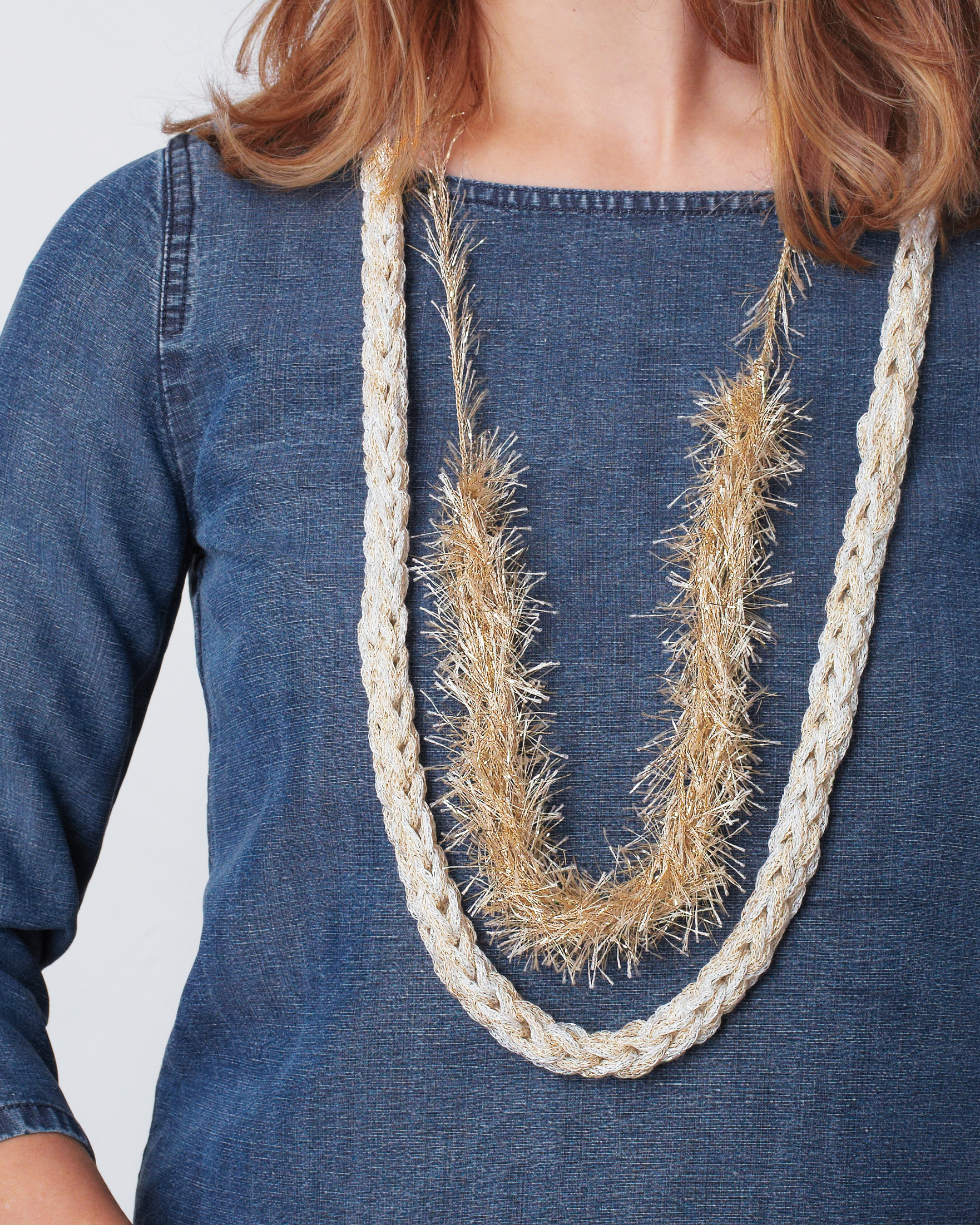 finger-knit-necklace-129-md110635.jpg