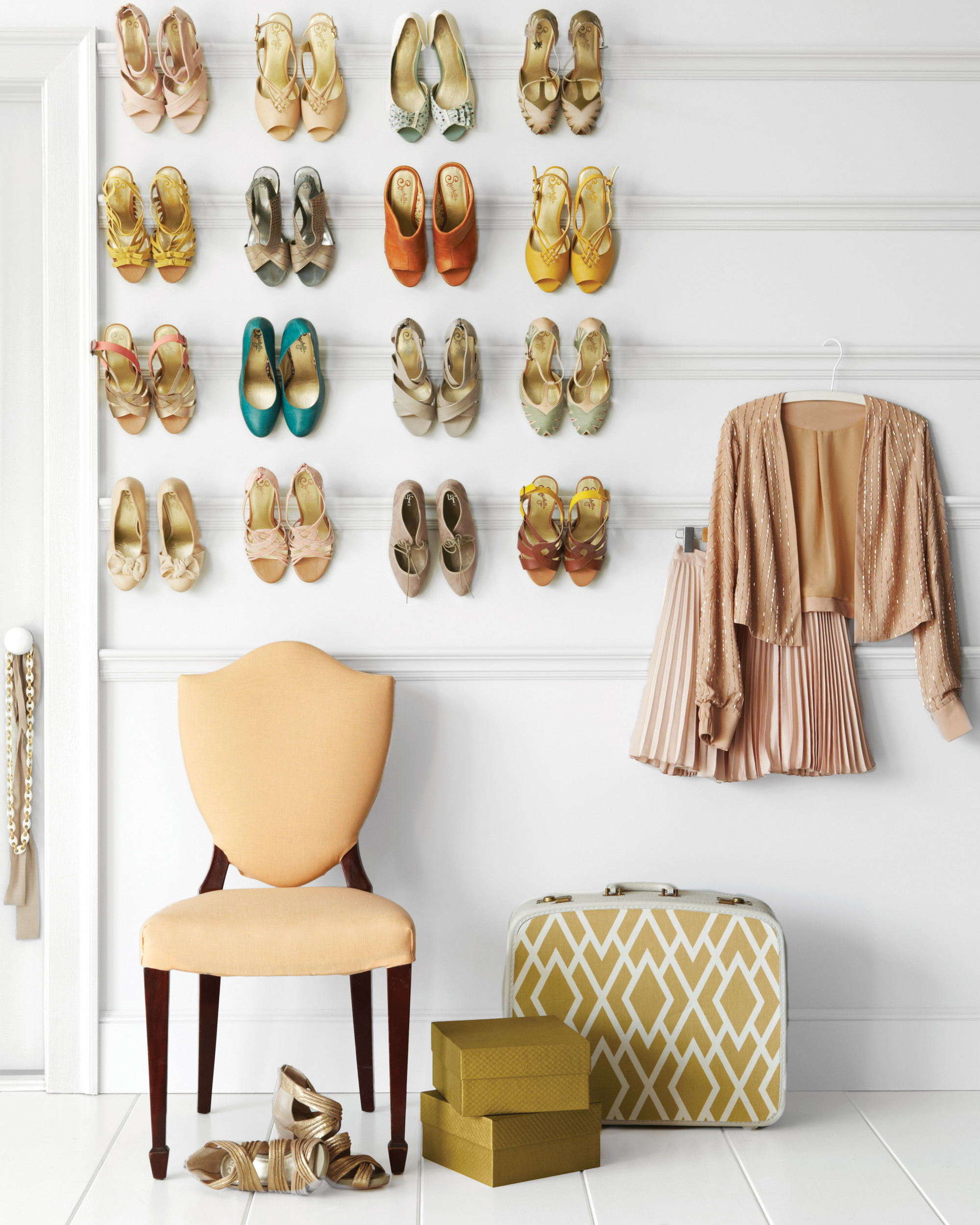 Picture Rail Shoe Rack