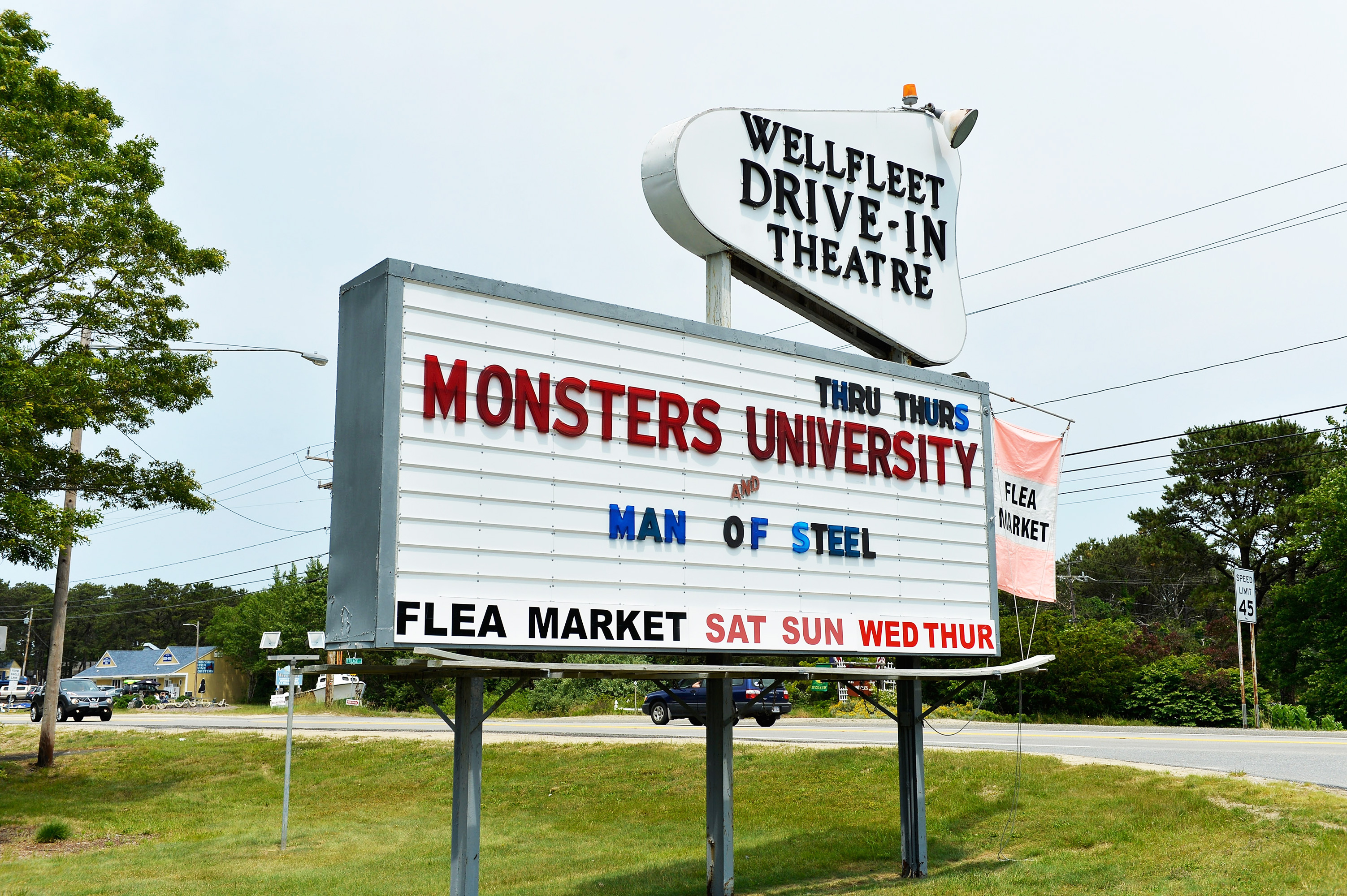 10 Of The Best Drive In Movie Theaters In America Martha Stewart