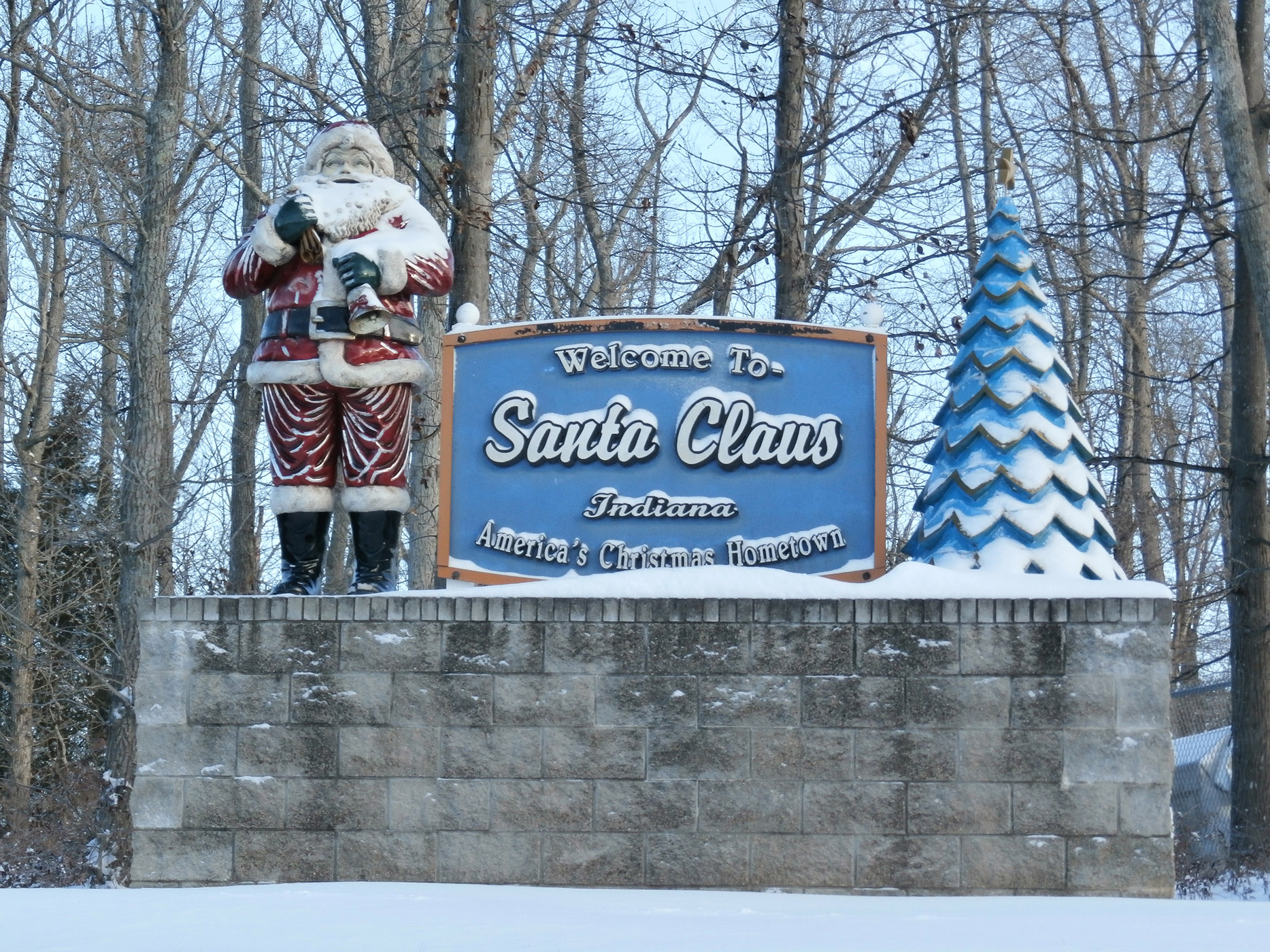 Welcome to Santa Claus Indiana sign