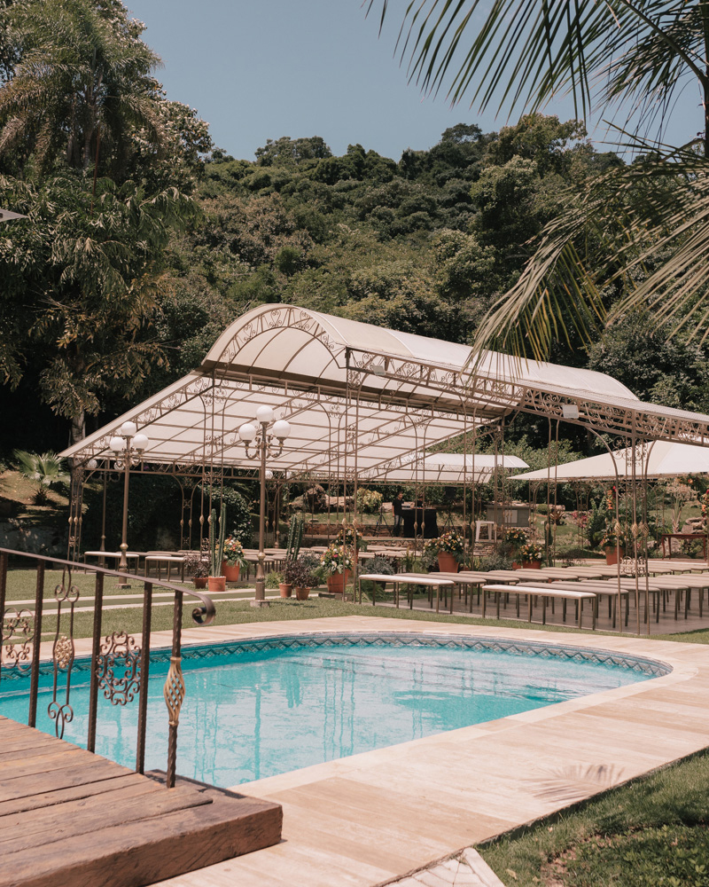 wedding outdoor ceremony space pool side