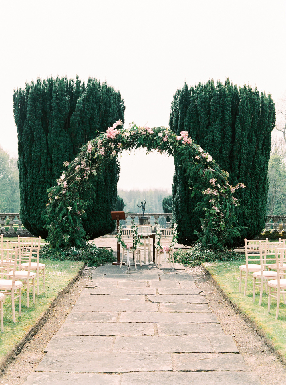 blathnaid daire wedding ceremony arch