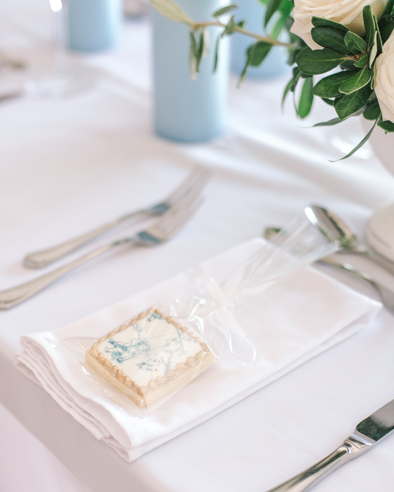 table setting iced cookie party favor