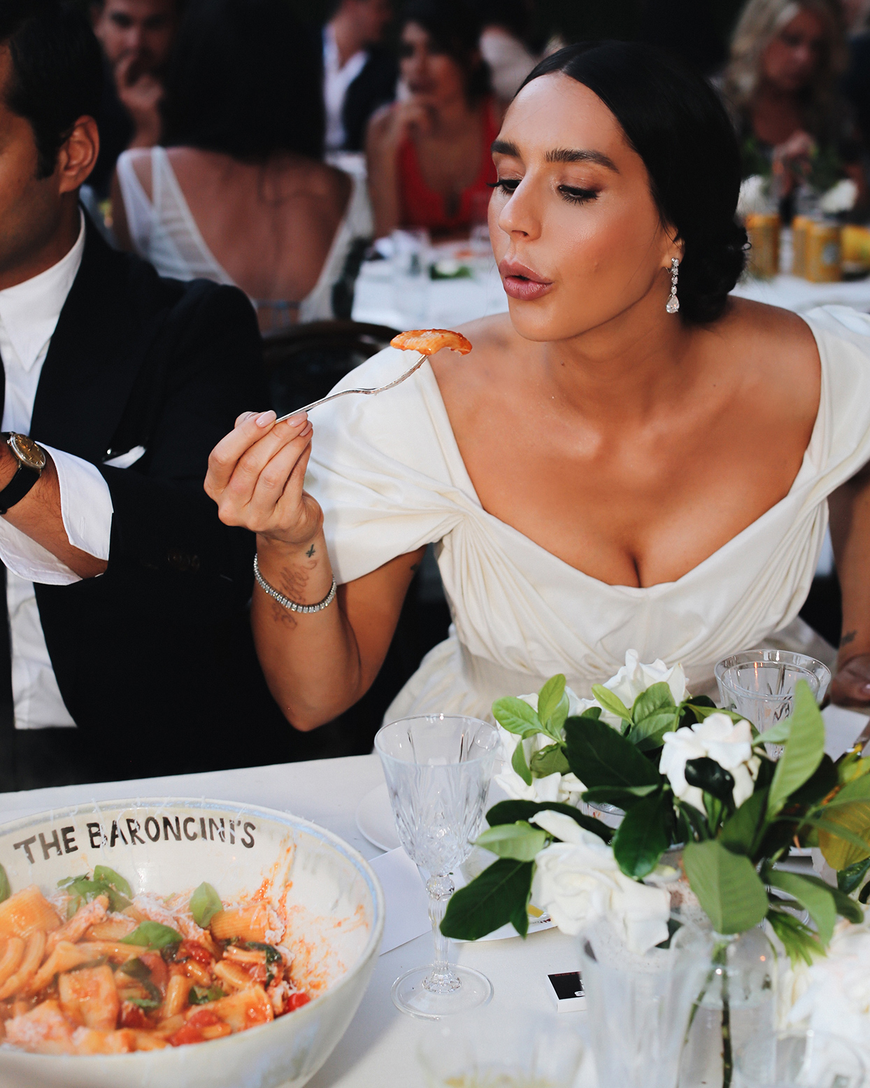 pia davide wedding dinner bride eating pasta
