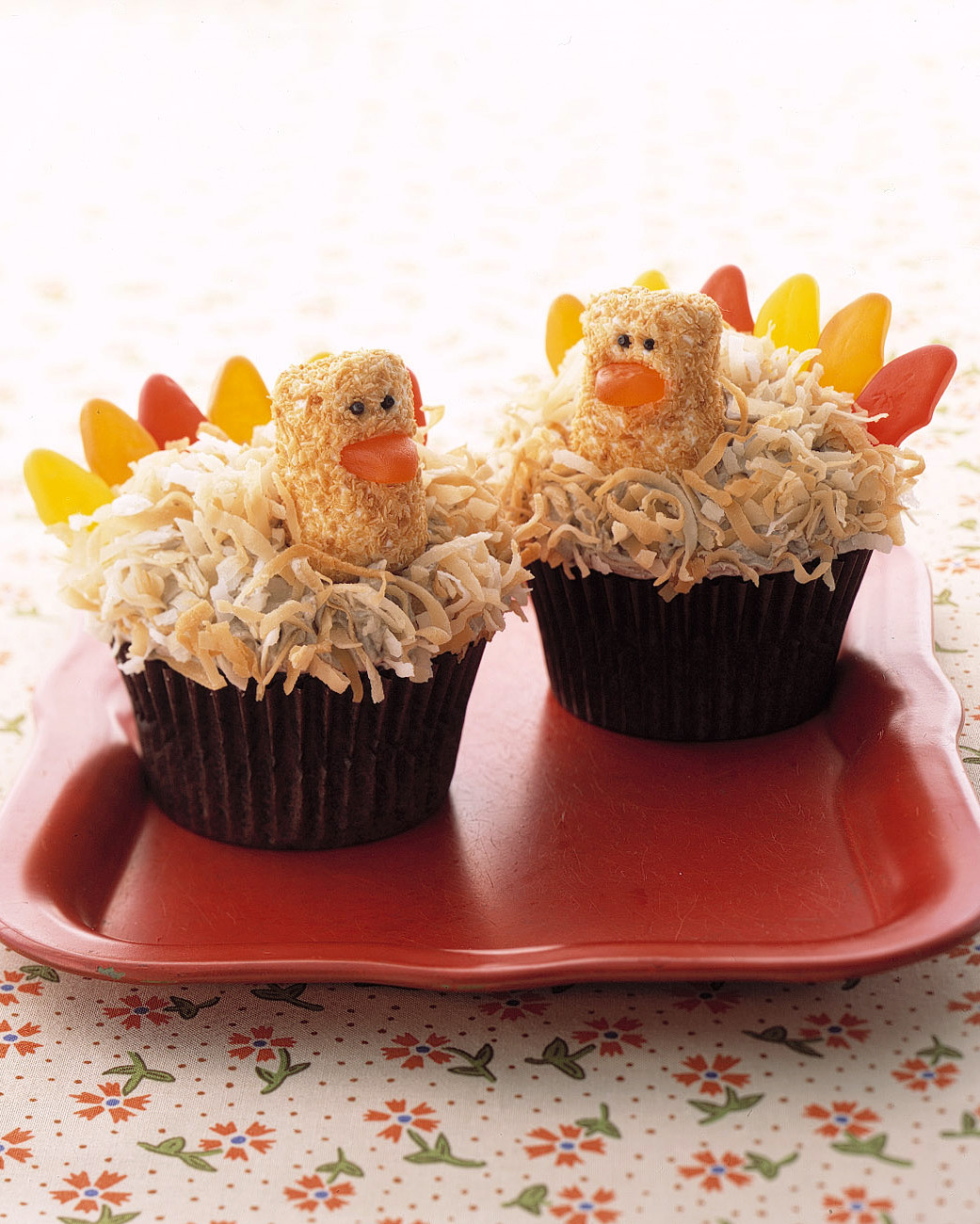 10 Cute Thanksgiving Desserts That Guests Will Gobble Up