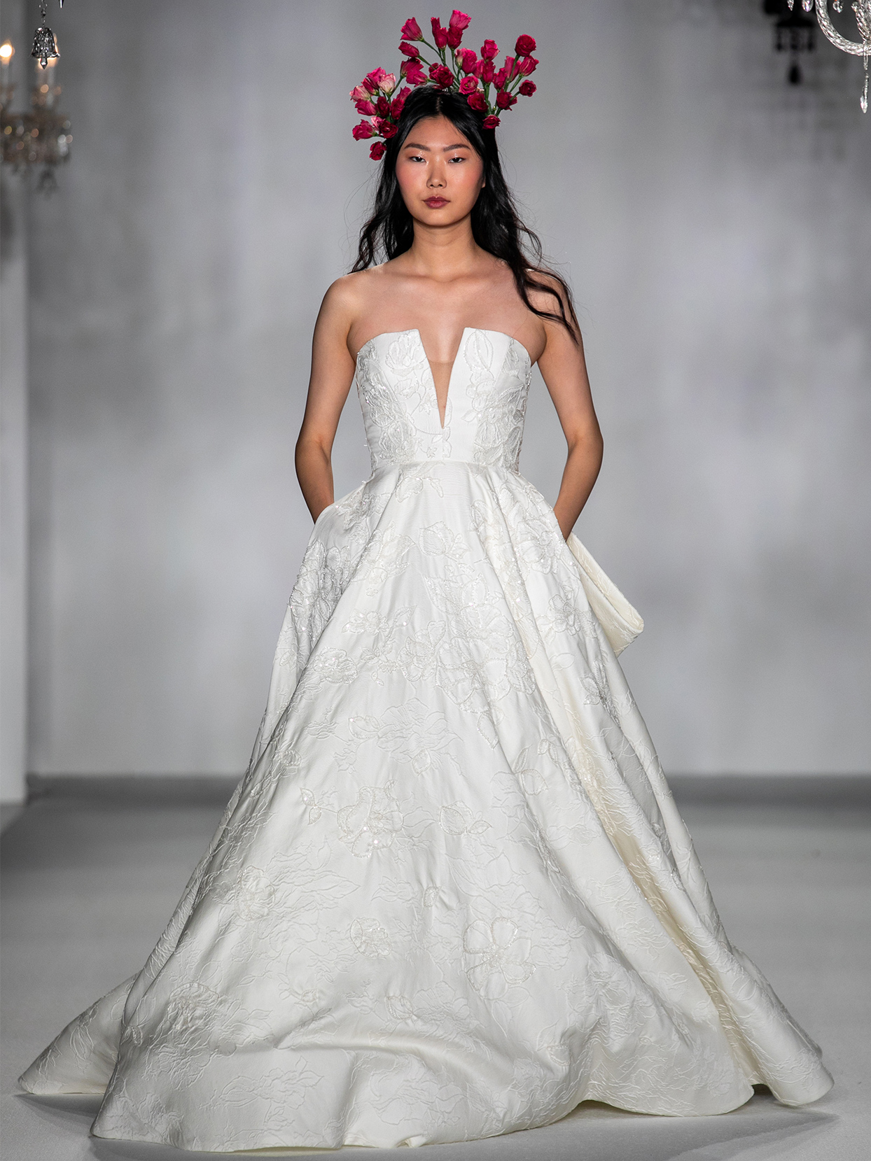anne barge plunging v neck ball gown wedding dress fall 2020