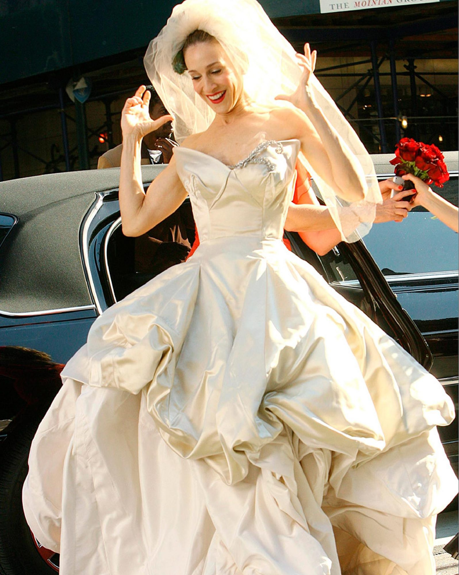 carrie-bradshaw-wedding-dress-0515