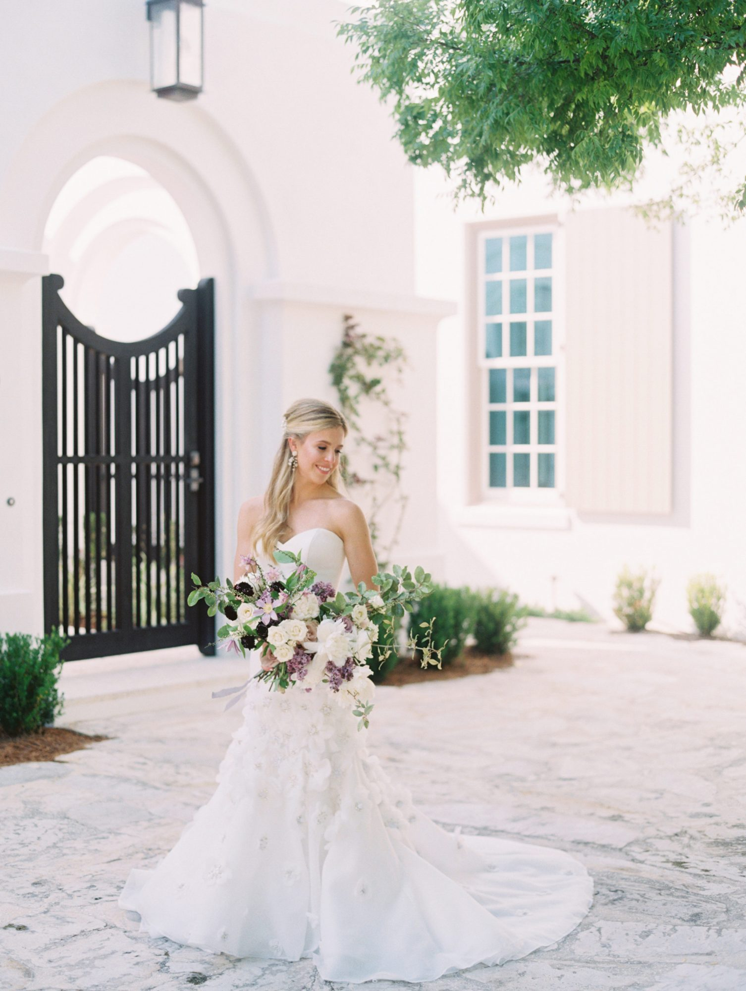 leighton craig wedding bride in courtyard
