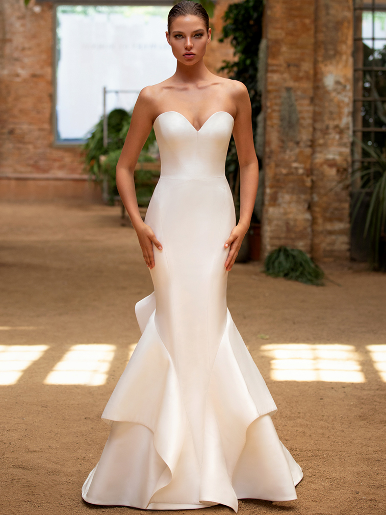 Zac Posen For White One strapless sweetheart mermaid wedding dress fall 2020