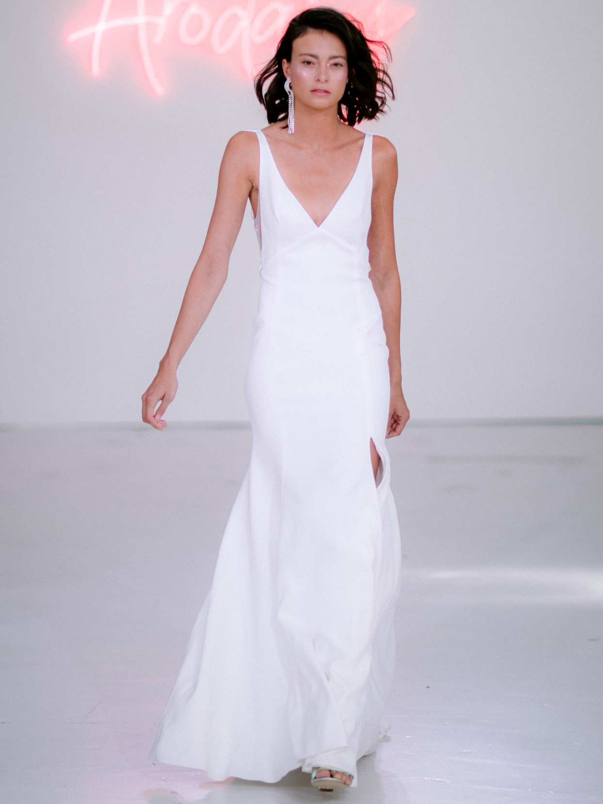 Rime Arodaky X The Mews Bridal side slit v-neck sleeveless wedding dress fall 2020