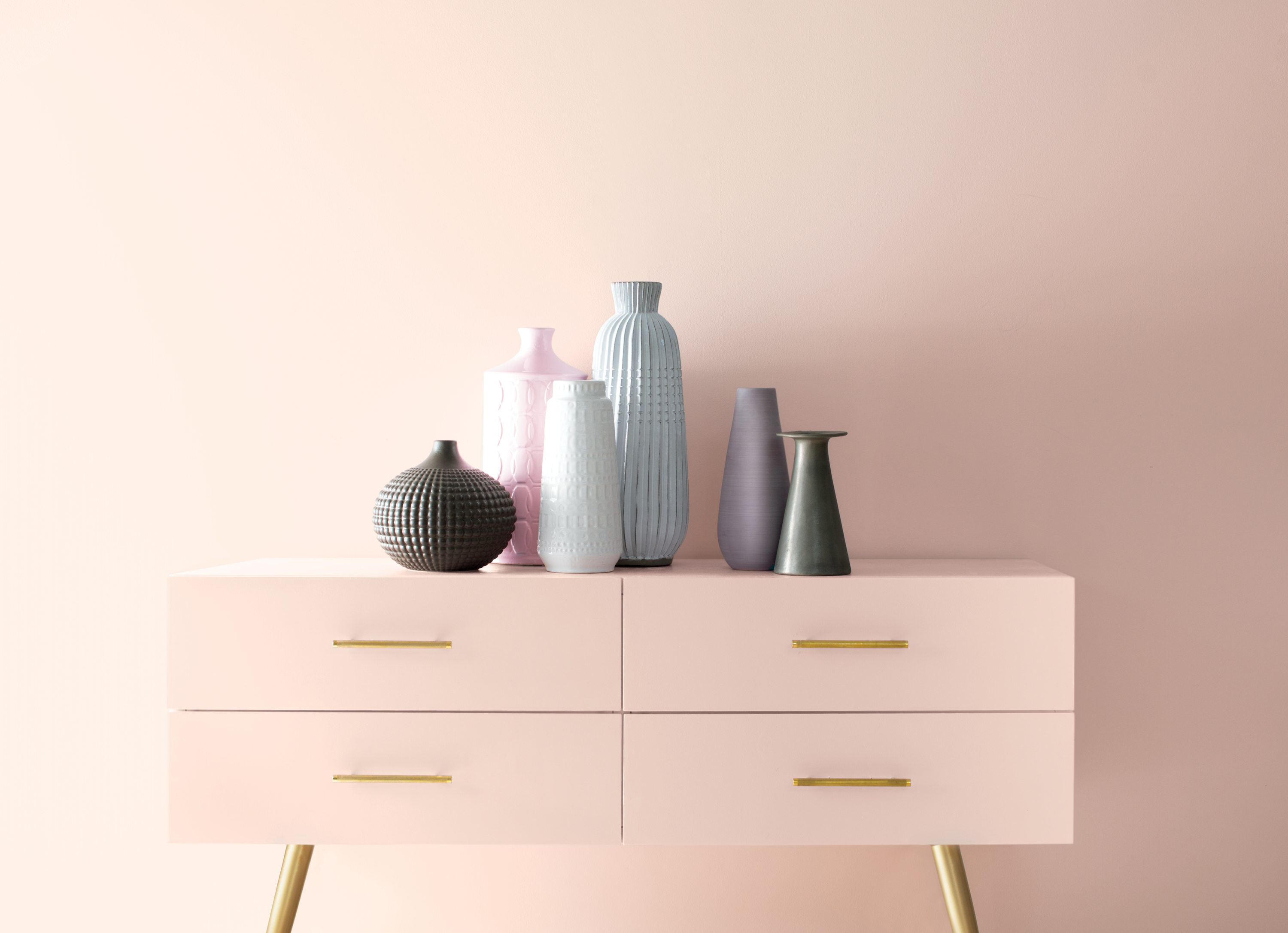 benjamin moore color of the year 2020 is a pale pink