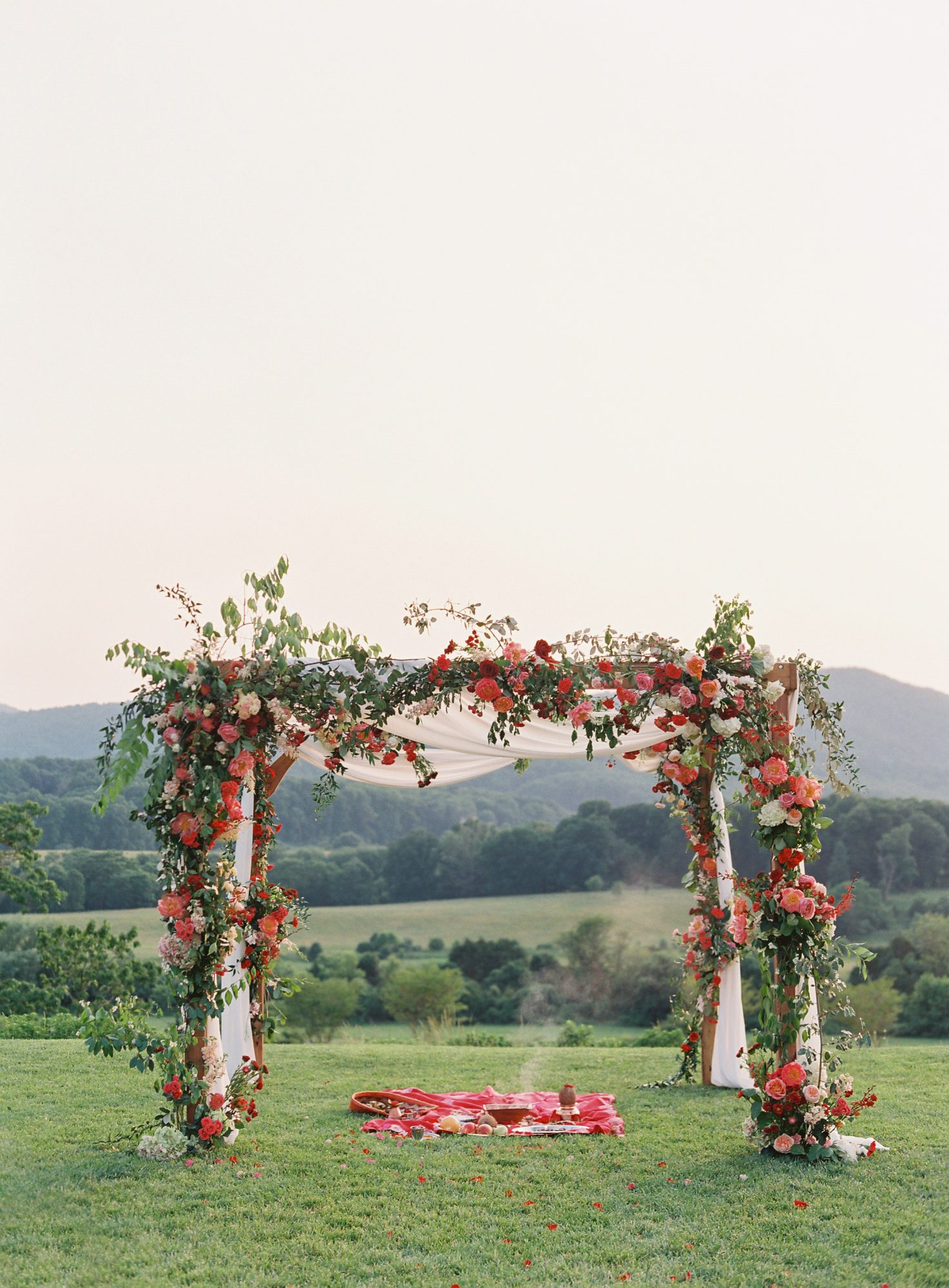 ronita ryan wedding ceremony arch