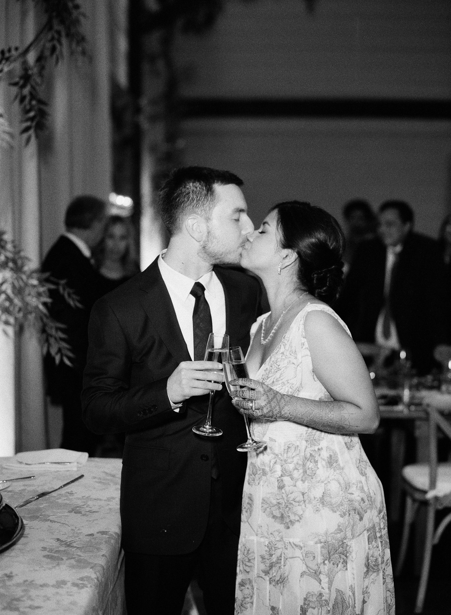 ronita ryan wedding couple reception kiss