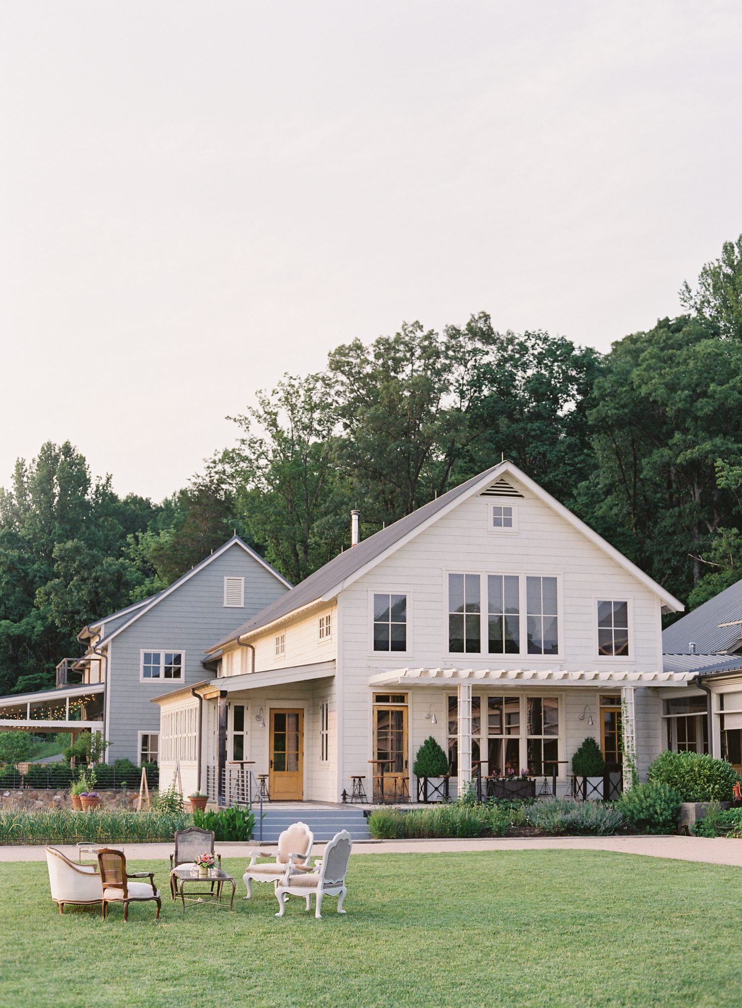 ronita ryan wedding venue exterior