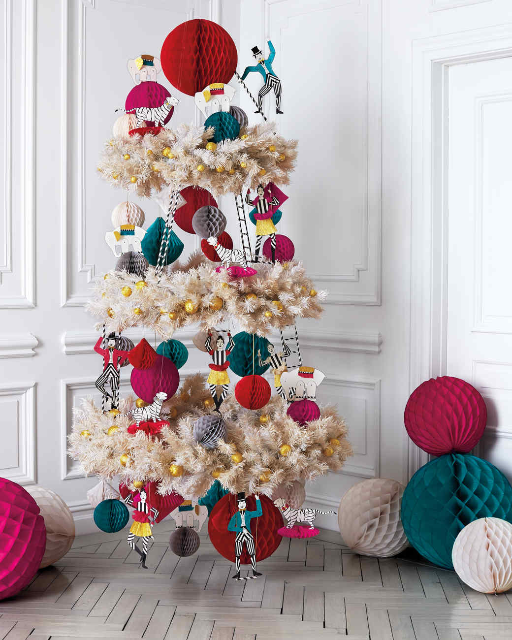 circus themed christmas tree